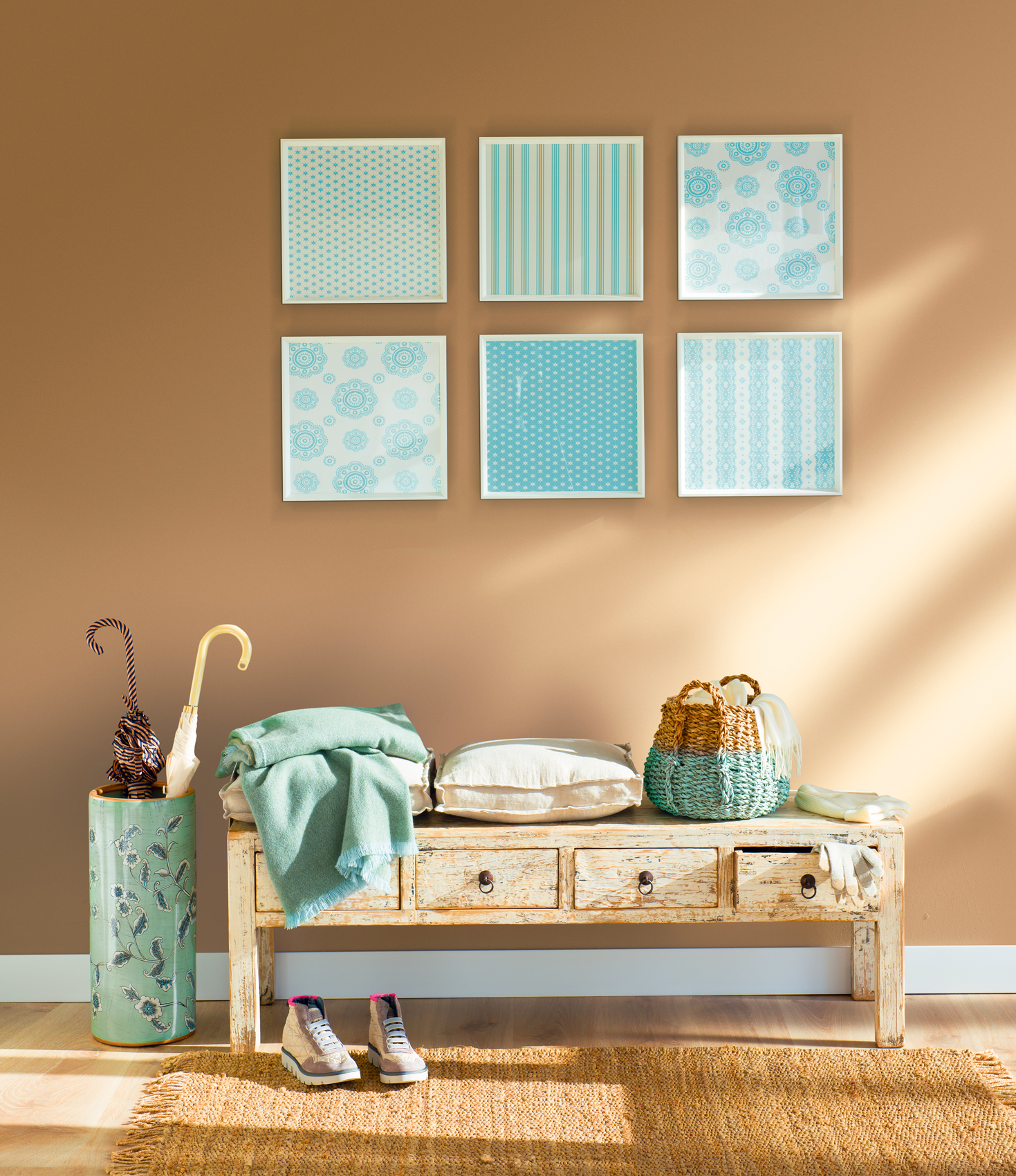 Diez ideas de decoraci n para preparar tu recibidor para for Casa con muebles transformables