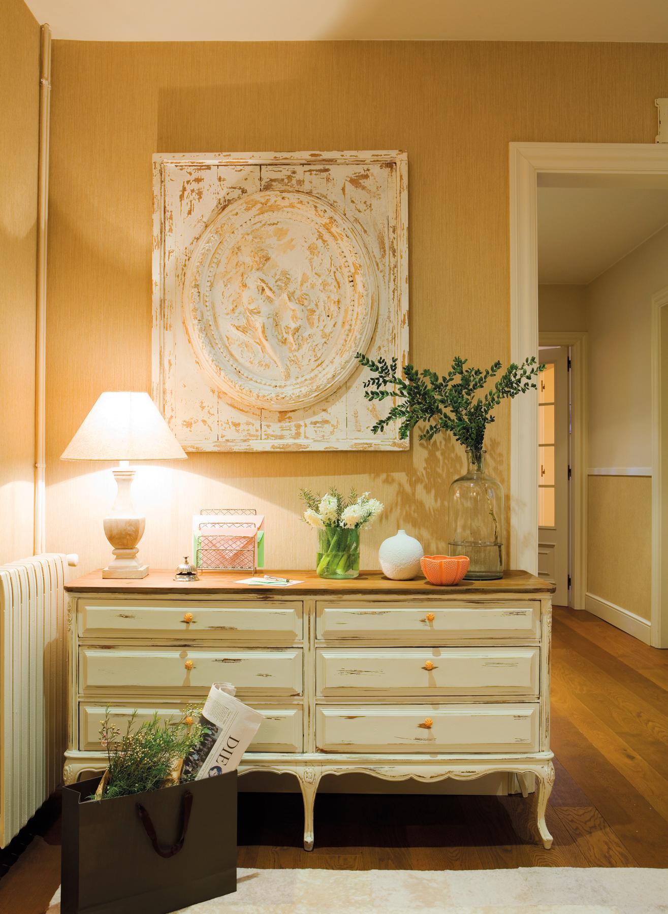 Diez ideas de decoraci n para preparar tu recibidor para - Comoda para recibidor ...