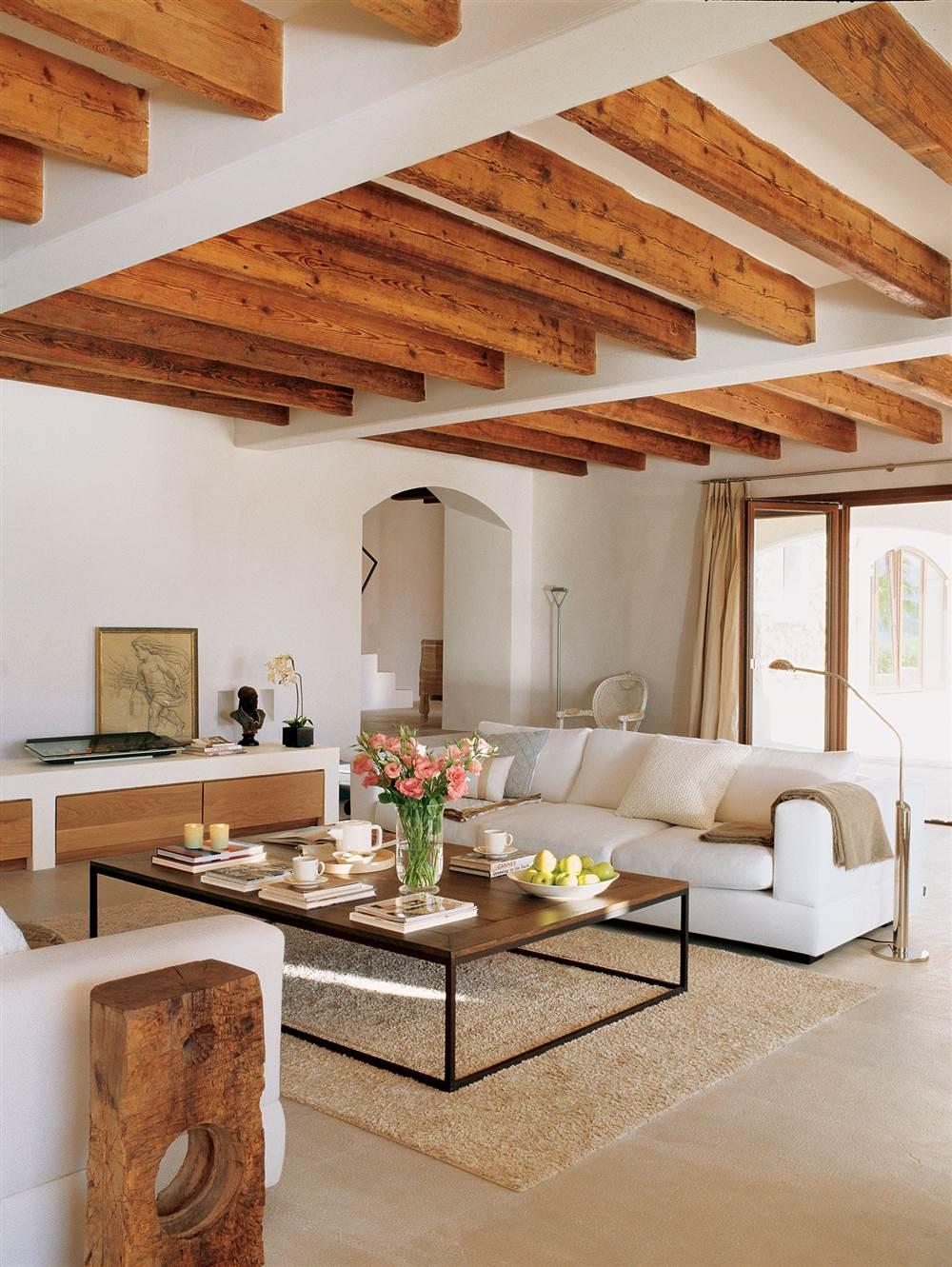 Decoracion con vigas de madera materiales de for Decoracion construccion