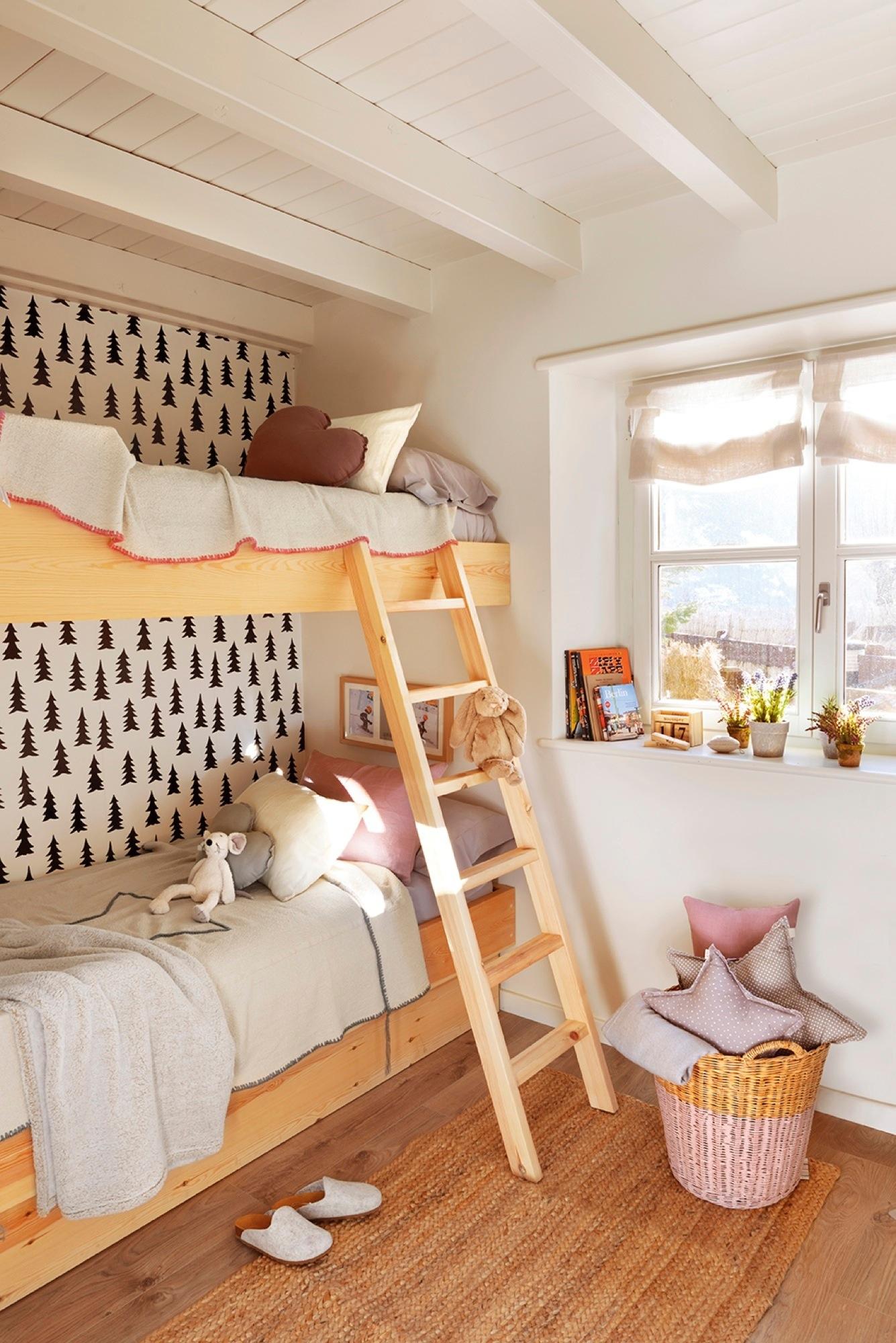 Decora tu casa con papel pintado