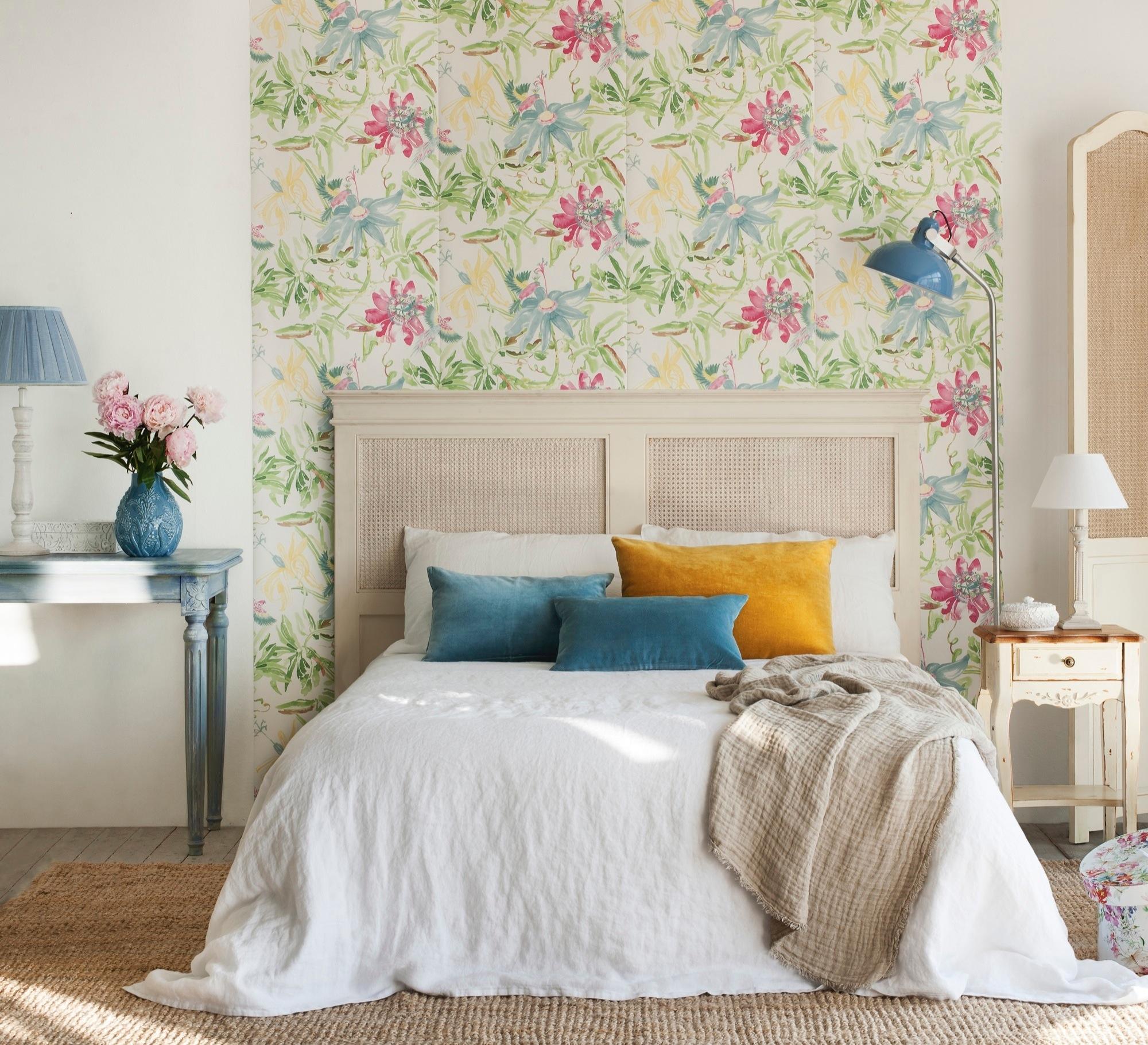 Decora tu casa con papel pintado for Modelo de dormitorio 2016
