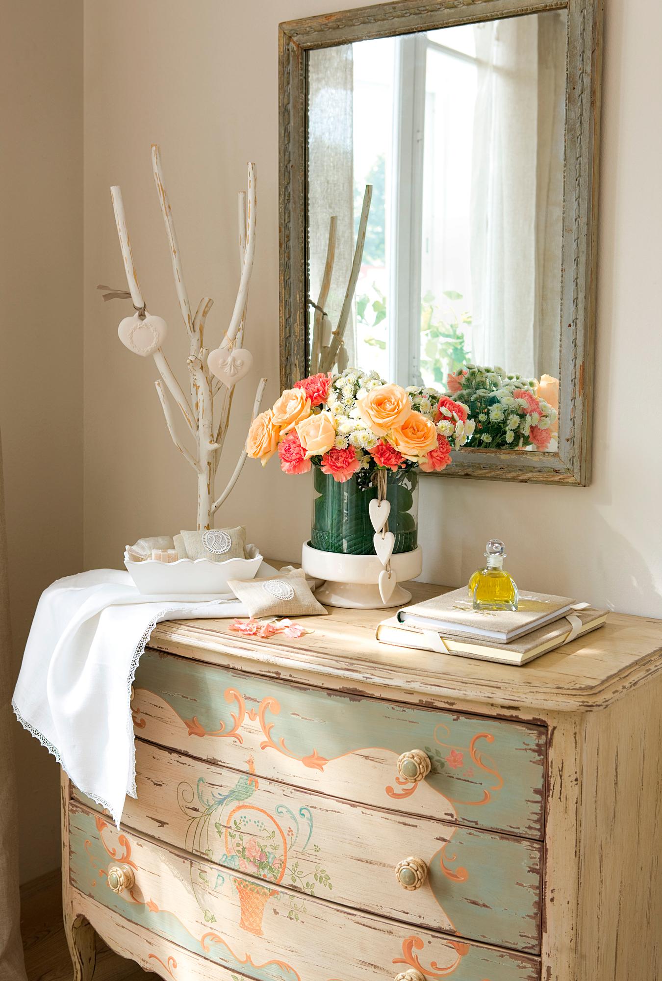 10 razones para poner una c moda en tu casa - Que poner encima de una comoda ...