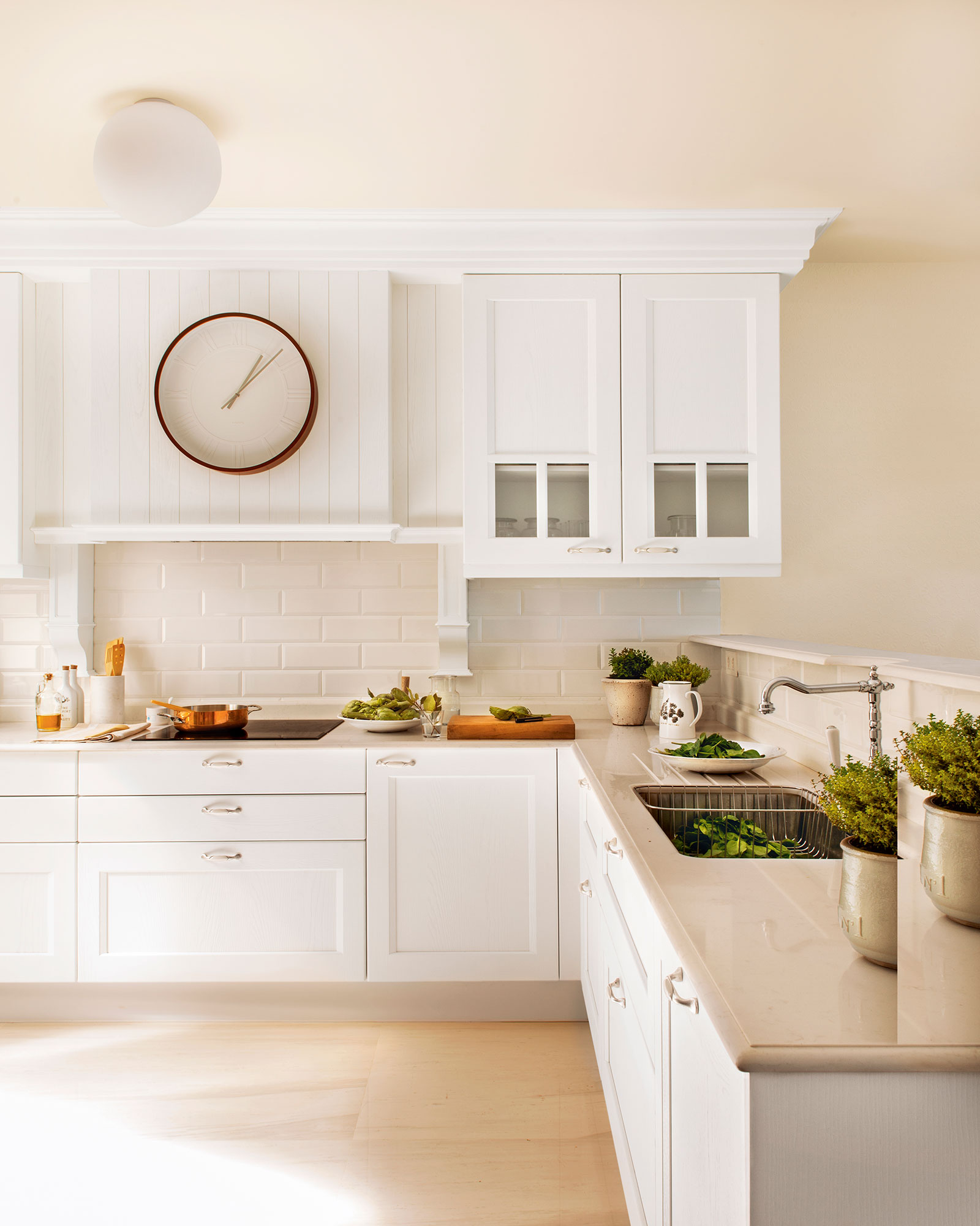 10 ideas infalibles para multiplicar la luz en la cocina - Muebles cocina blanco ...