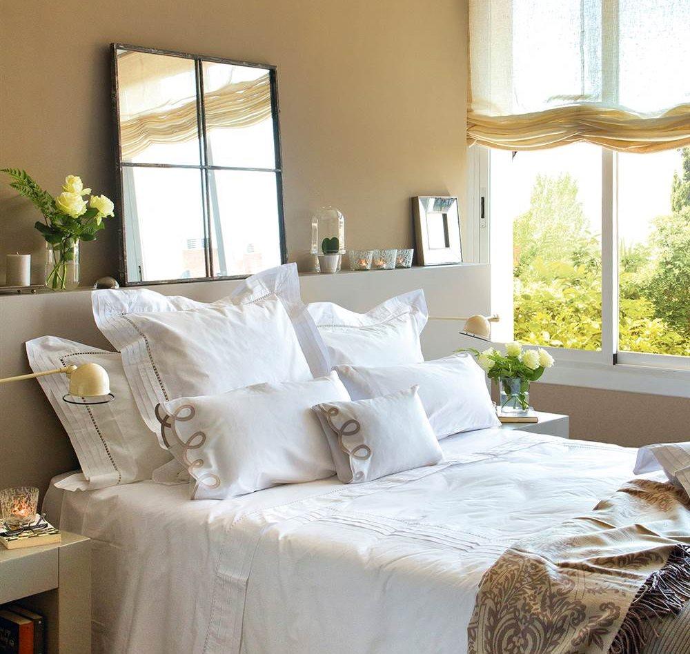 Diez cabeceros distintos adecuados para diferentes necesidades for Espejo pared dormitorio