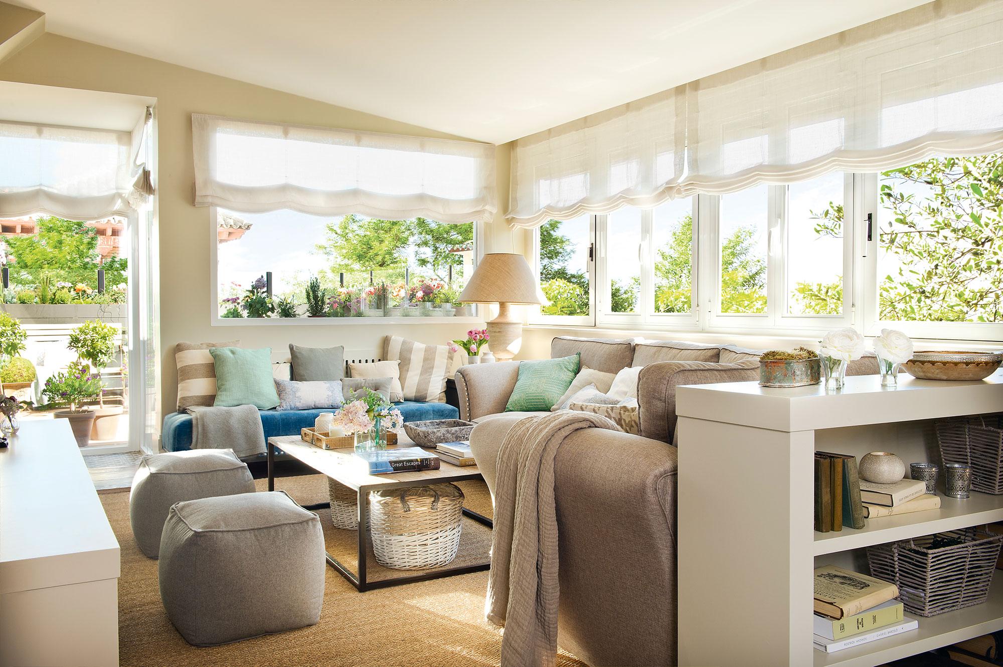 4 salones ideales ideas de decoradora para tener un sal n for Ventanales living comedor