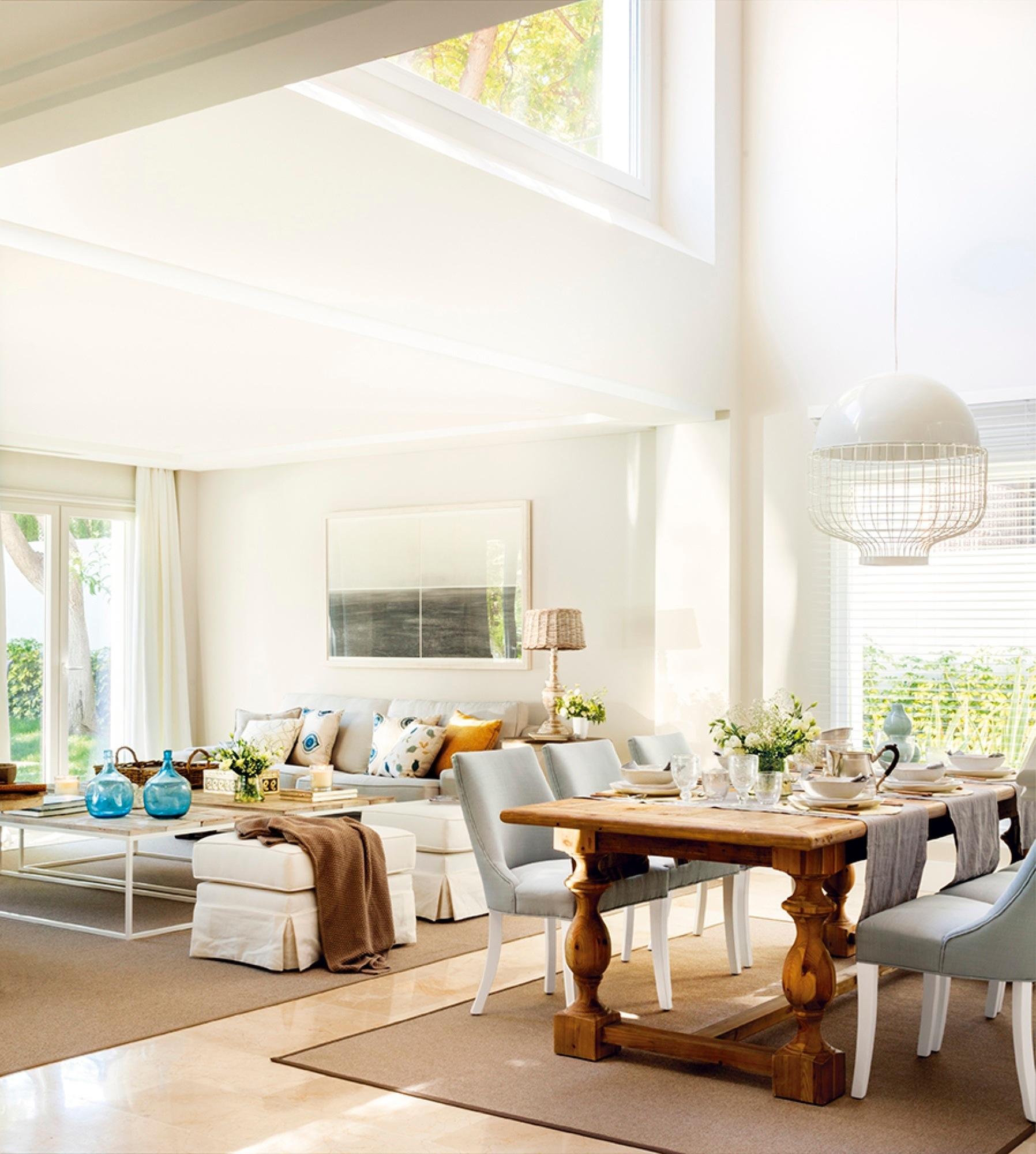 Una casa que pas de triste y oscura a luminosa y muy alegre for Salon blanco y madera