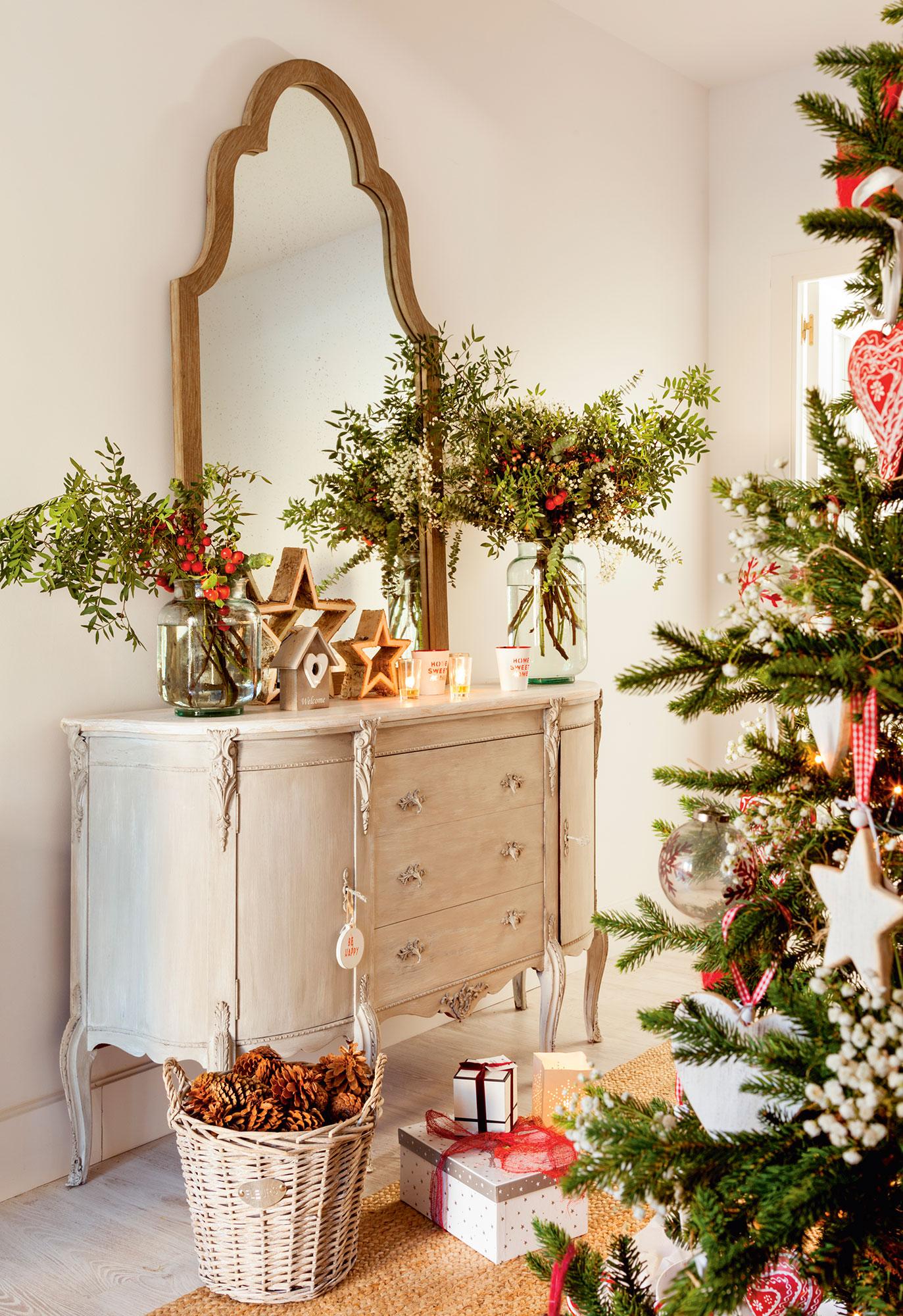 Navidad ideas para decorar de verde natural tu recibidor - Comoda recibidor ...