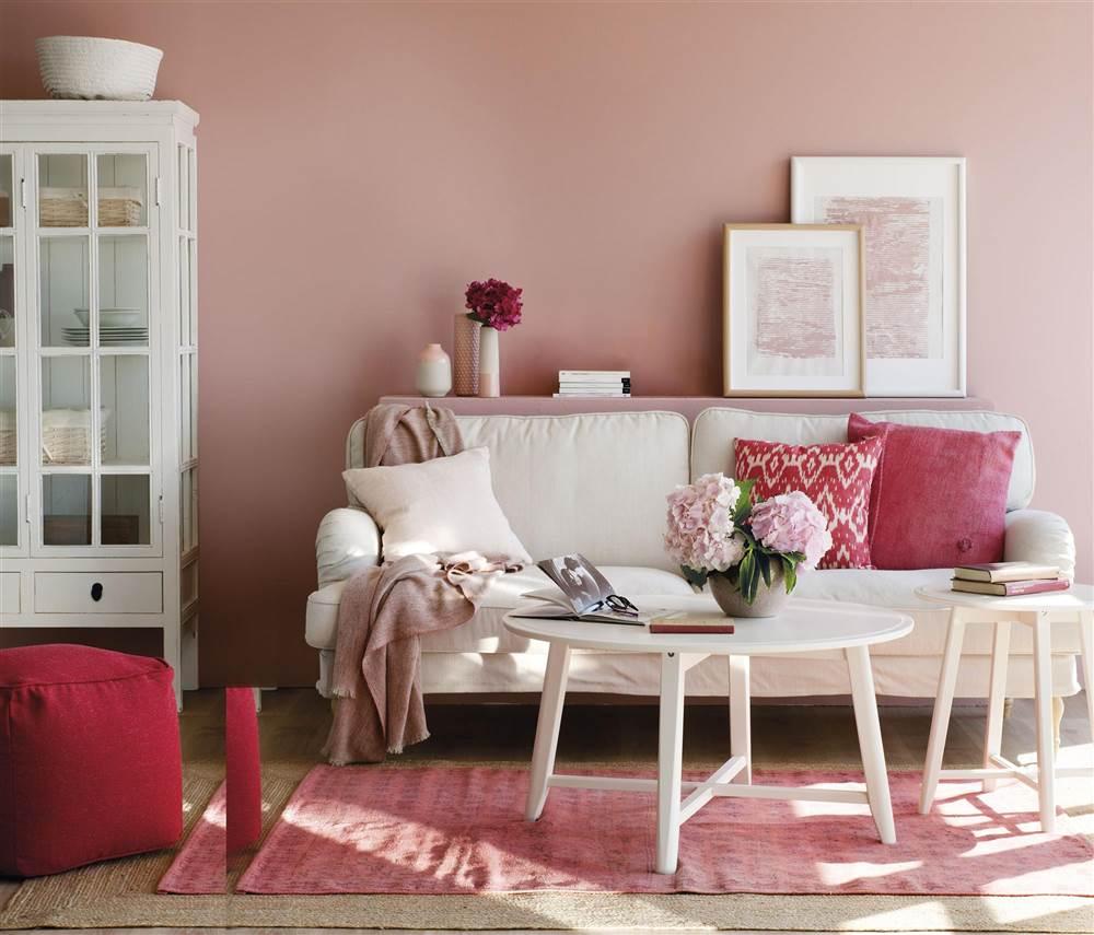 Salón en tonos rosa