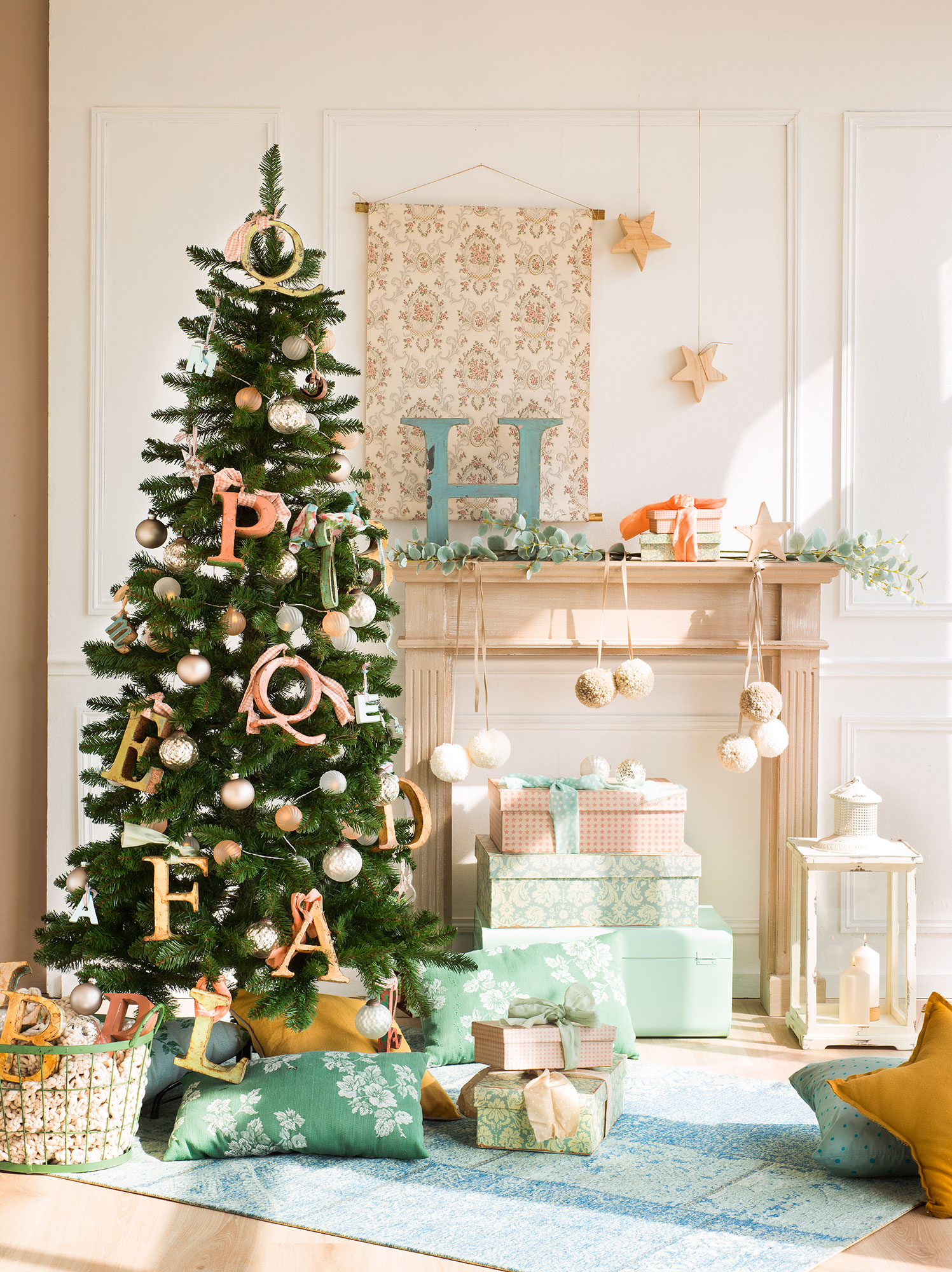 Ideas para decorar el rbol de navidad 3 rboles 3 estilos - Arbol de navidad tela ...