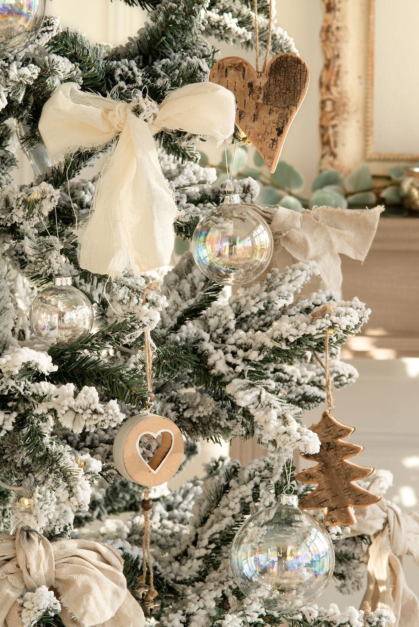 Ideas para decorar el rbol de navidad 3 rboles 3 estilos - Decorar letras de corcho blanco ...