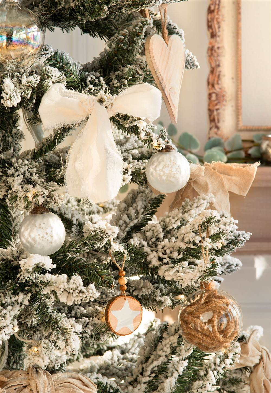 Ideas para decorar el rbol de navidad 3 rboles 3 estilos for Como decorar un arbol de jardin