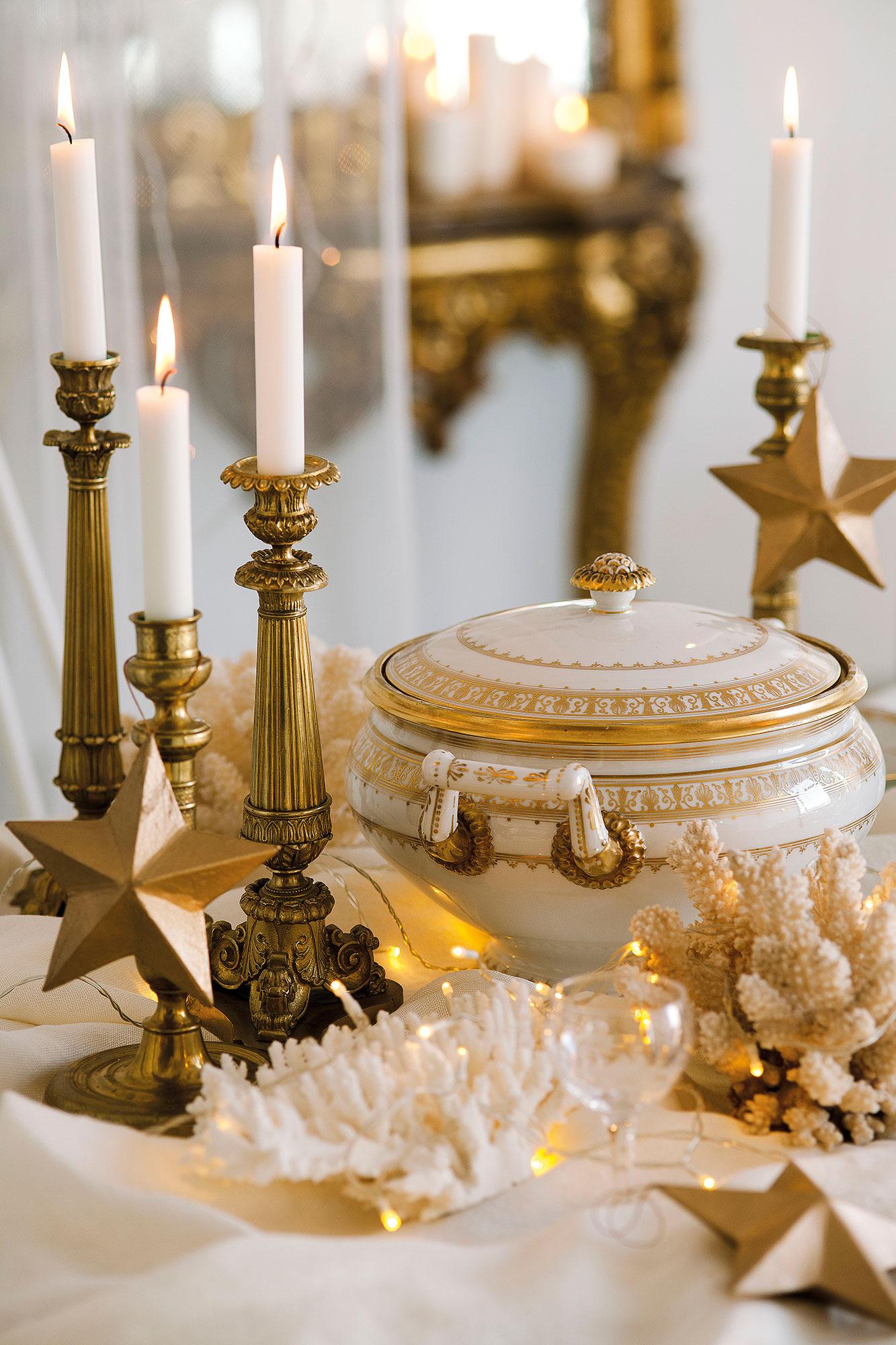 Navidad 15 ideas para decorar de fiesta tu casa for Mesa cristal y dorado