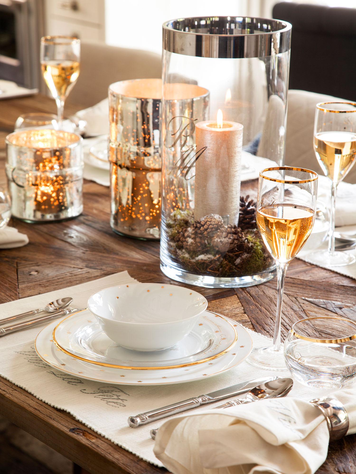 Ideas para decorar de navidad tu casa en dorado y blanco - Mesa de centro blanca ...