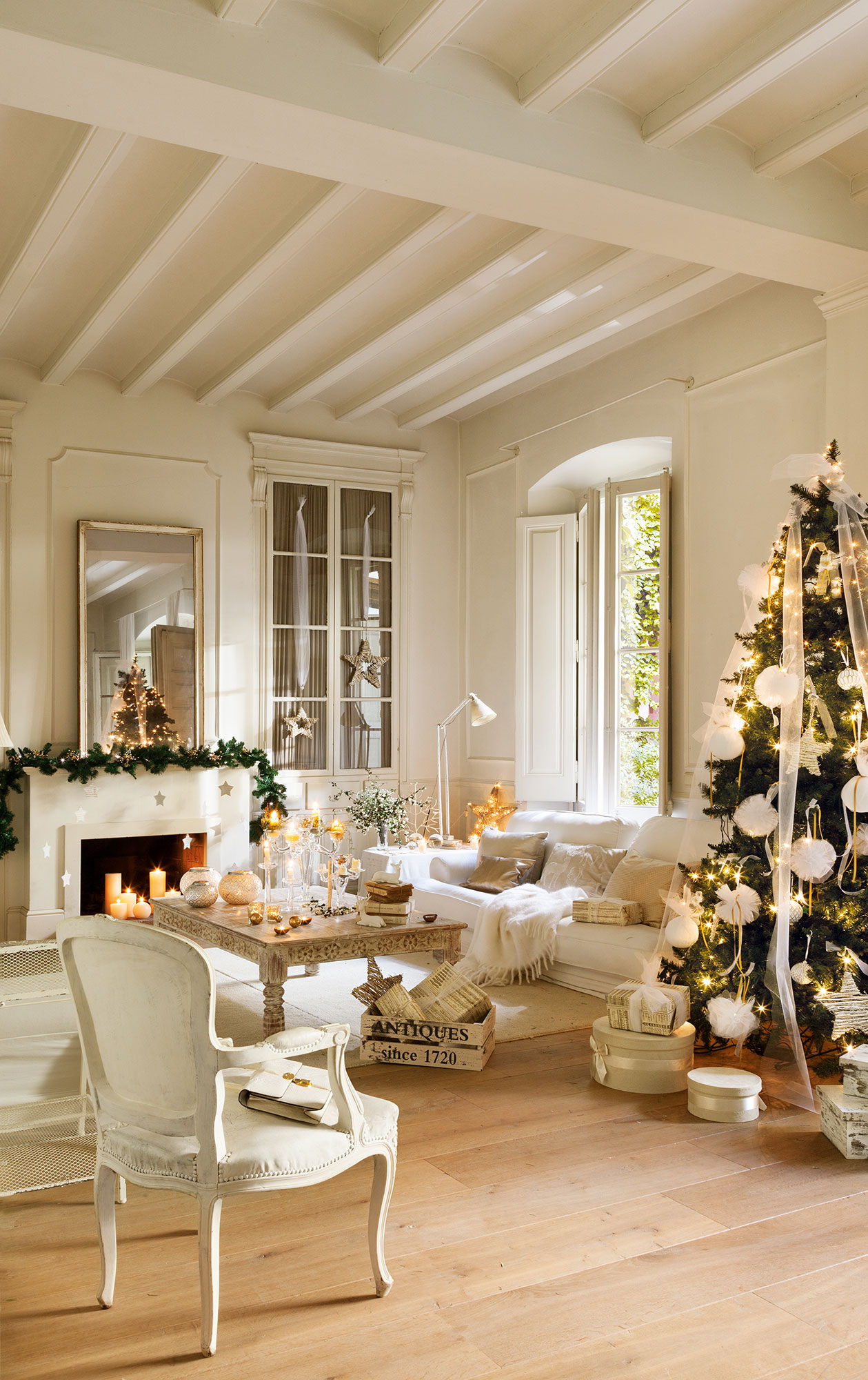Decorar Salon Navideno.Ideas Para Decorar De Navidad Tu Casa En Dorado Y Blanco