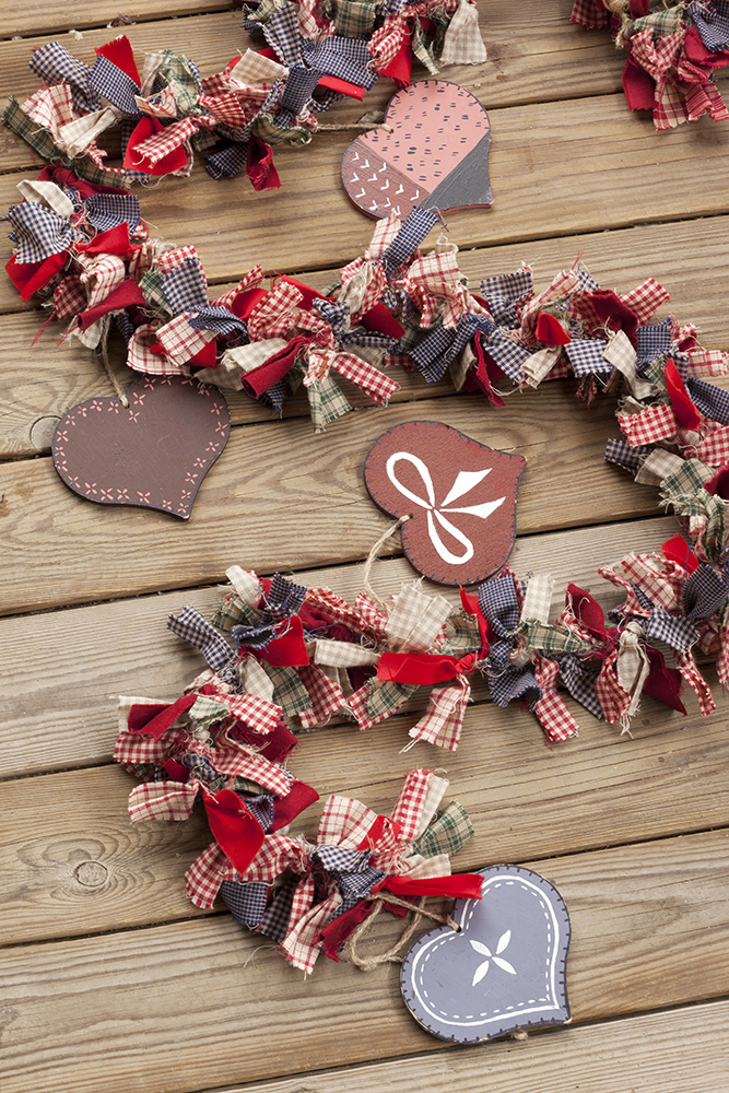Guirnaldas y coronas 15 manualidades de navidad para decorar - Decorar el arbol de navidad con manualidades ...