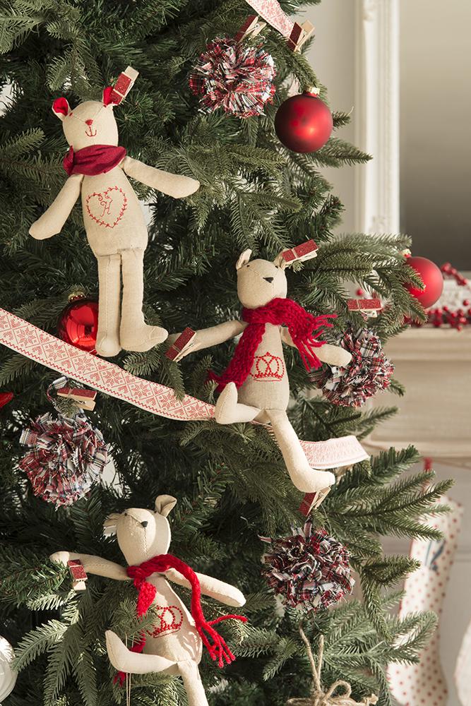 Guirnaldas y coronas 15 manualidades de navidad para decorar - Guirnaldas de navidad ...