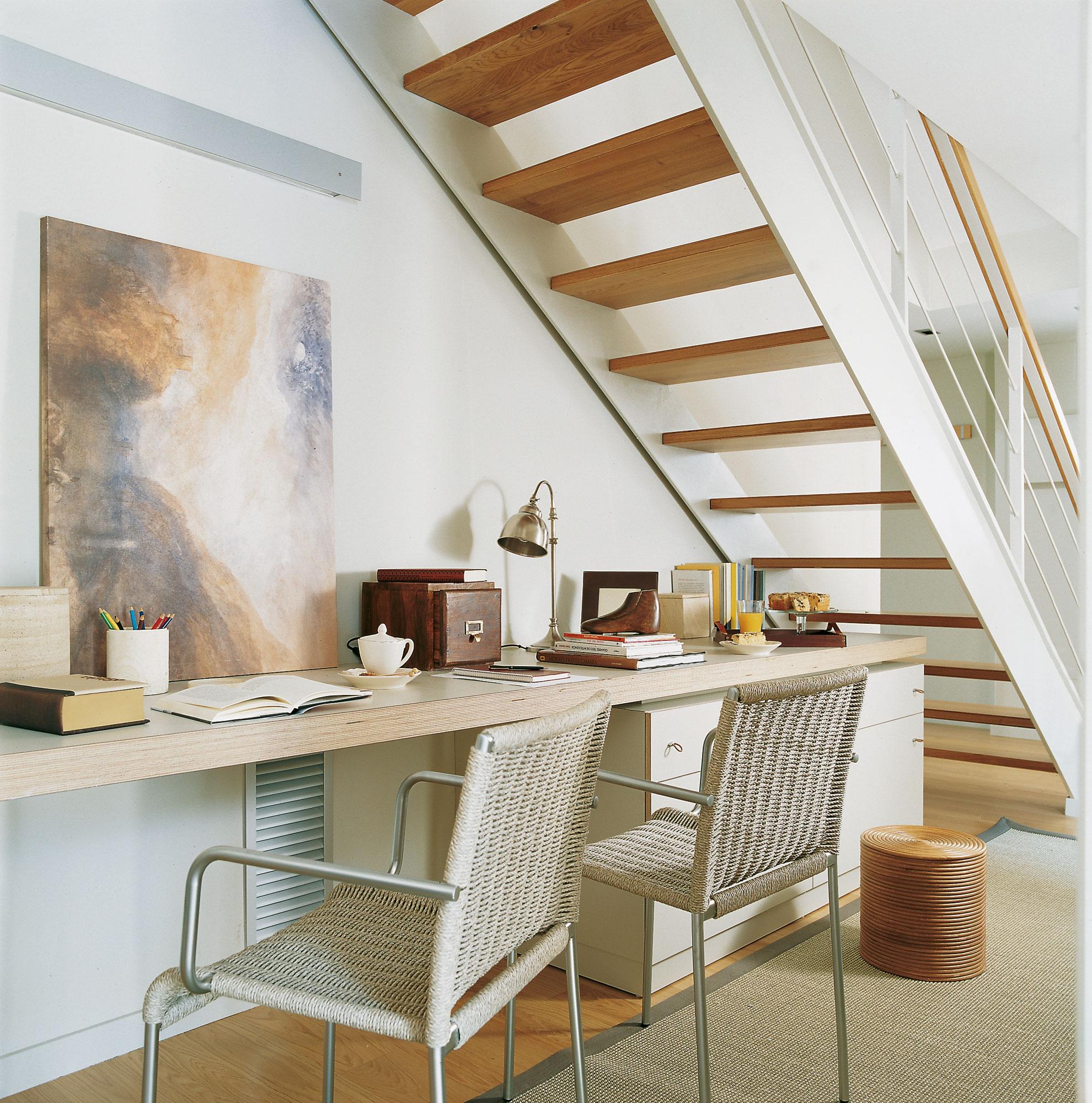 Ideas pr cticas para el hueco bajo la escalera decora y for Escaleras para caminar fuera del jardin