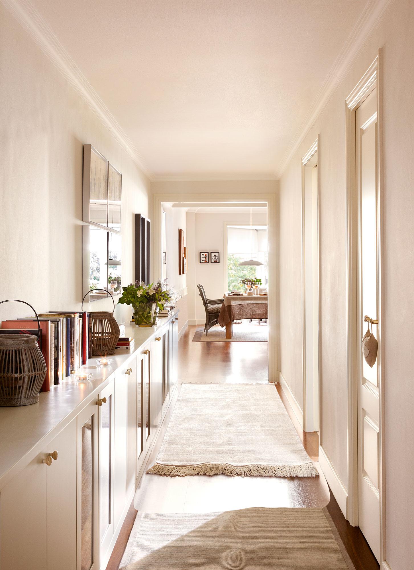 Recibidores y pasillos buenas ideas para decorarlos y - Muebles para pasillo ...