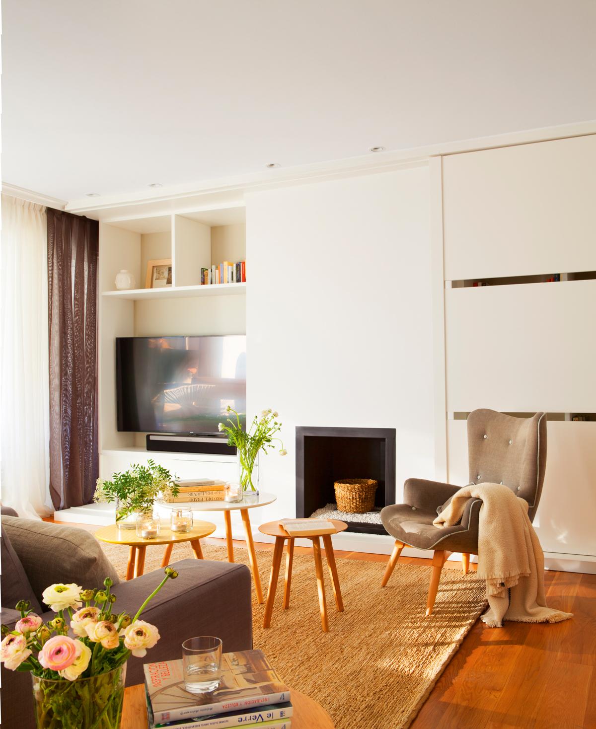 Salones Peque Os Con Muebles Que Aprovechan Cada Cent Metro # Muebles Doble Fondo