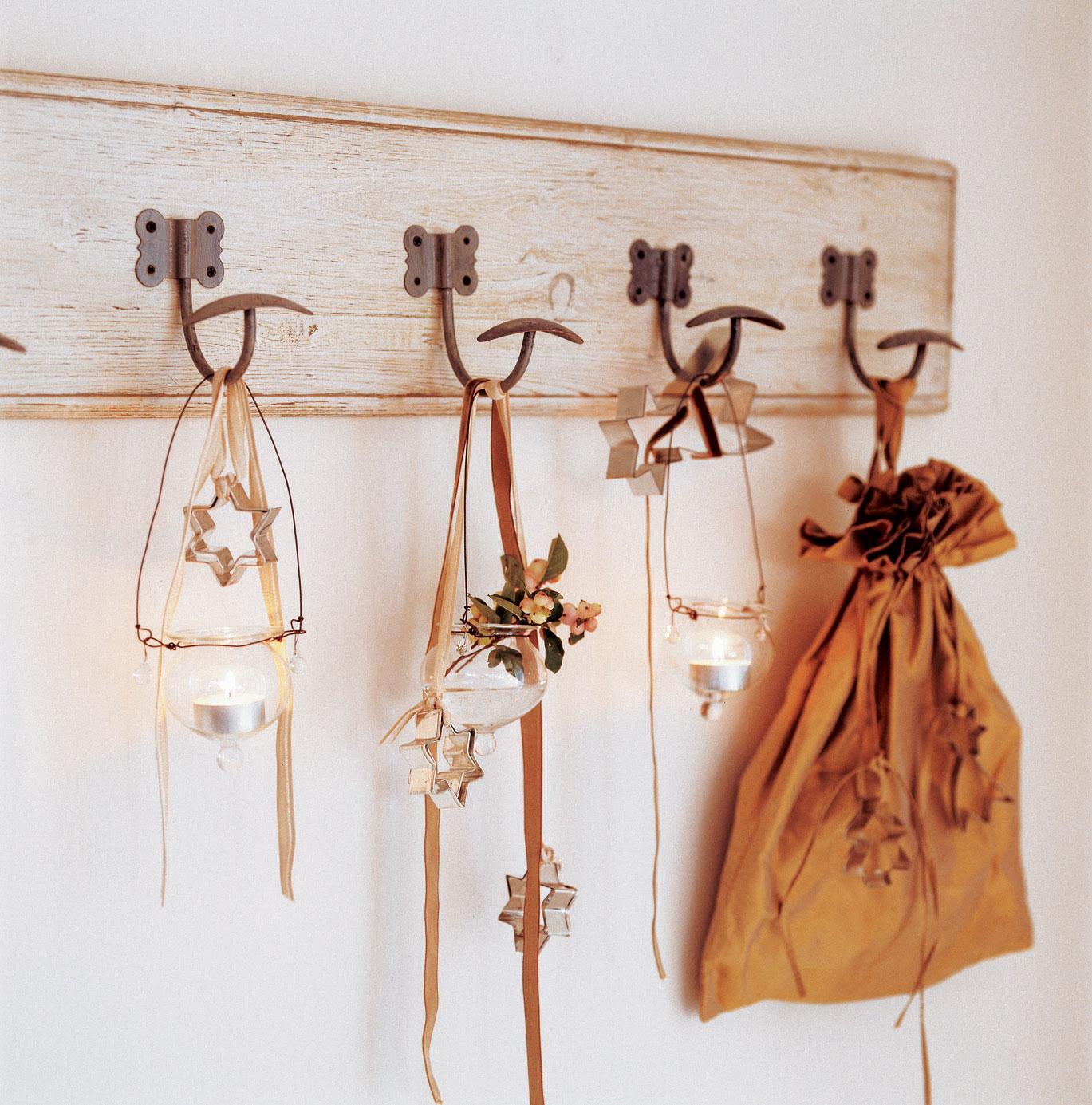 Detalles e ideas en plata para decorar tu casa esta navidad - Juegos de adornar casas de navidad ...