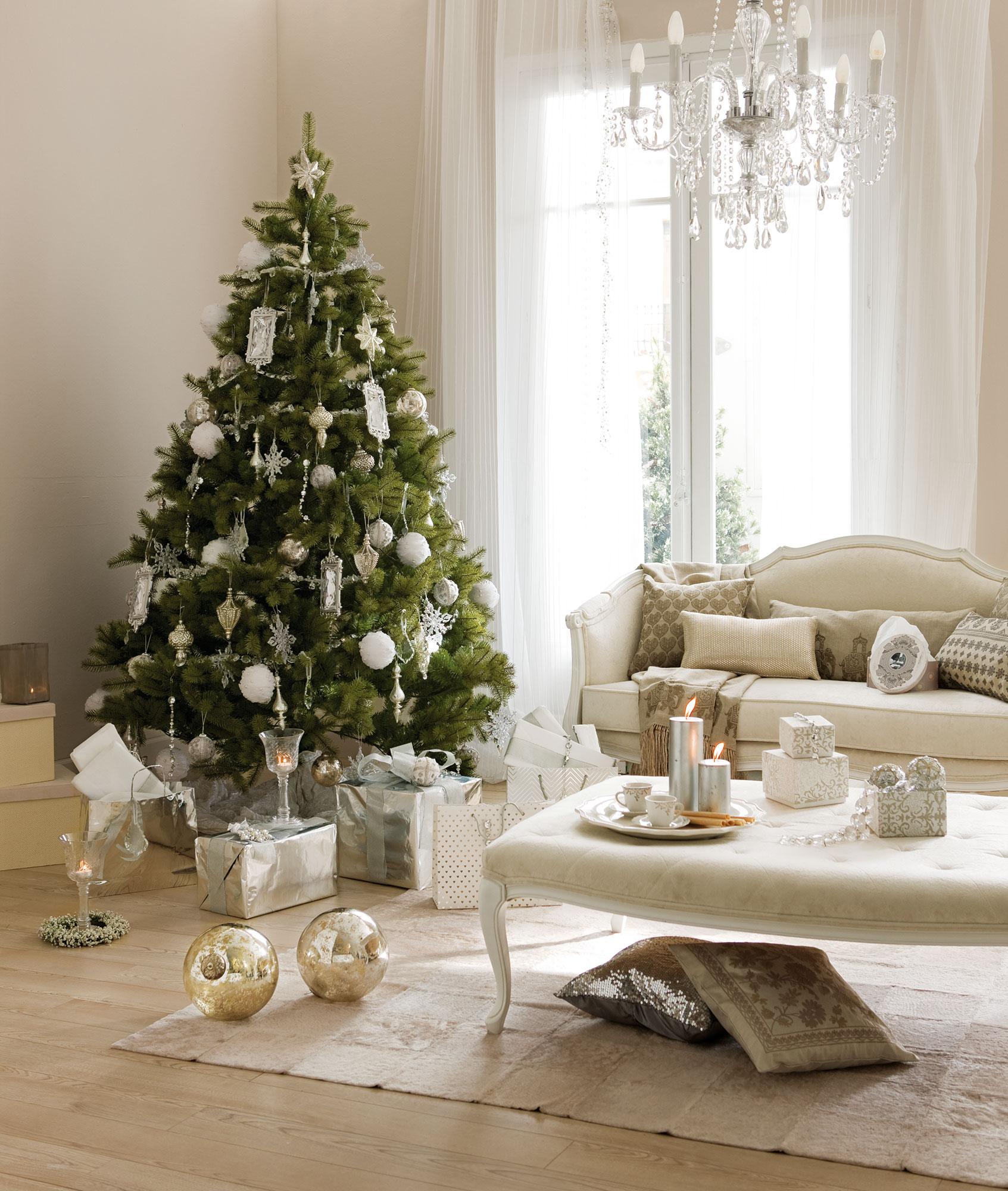 Detalles e ideas en plata para decorar tu casa esta navidad - Arboles de navidad blanco decoracion ...