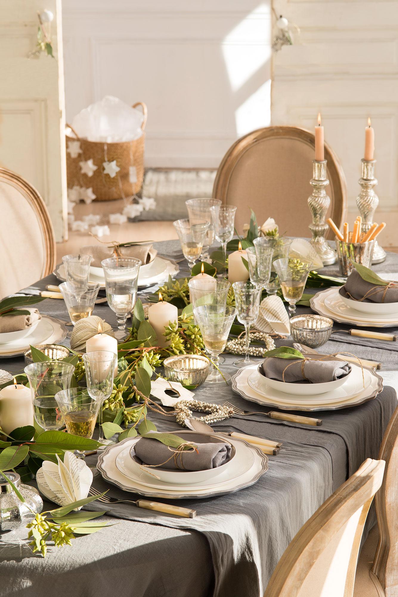 15 propuestas para decorar la mesa de fiesta for Mesa de navidad elegante