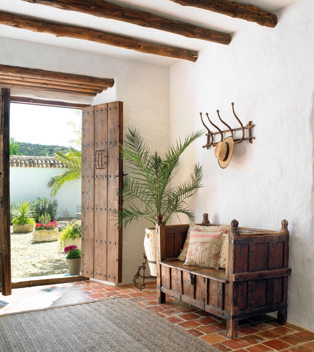 C mo restaurar un mueble antiguo - Banco de madera rustico ...