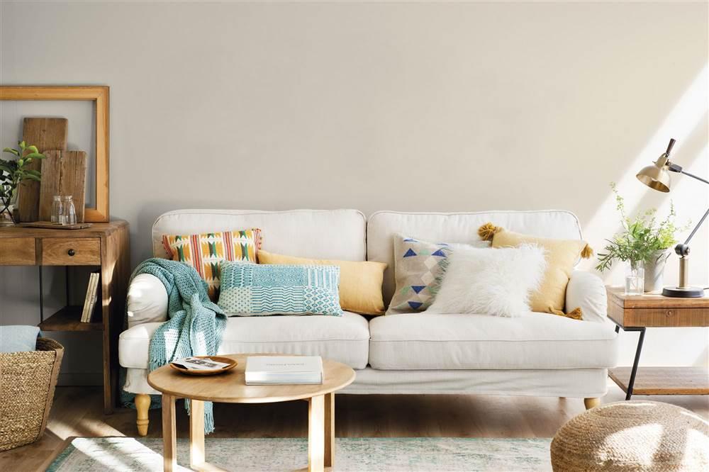 Coloca y combina los cojines del sof como un estilista de - Cojines de salon ...