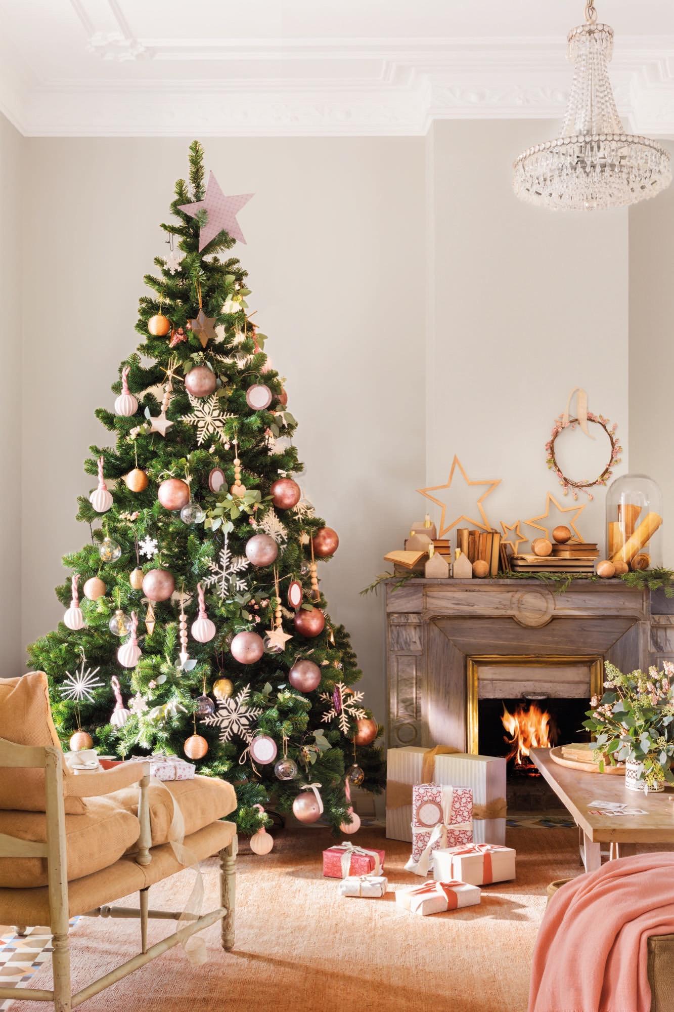 La decoraci n navide a se vuelve n rdica for Arboles para espacios pequenos