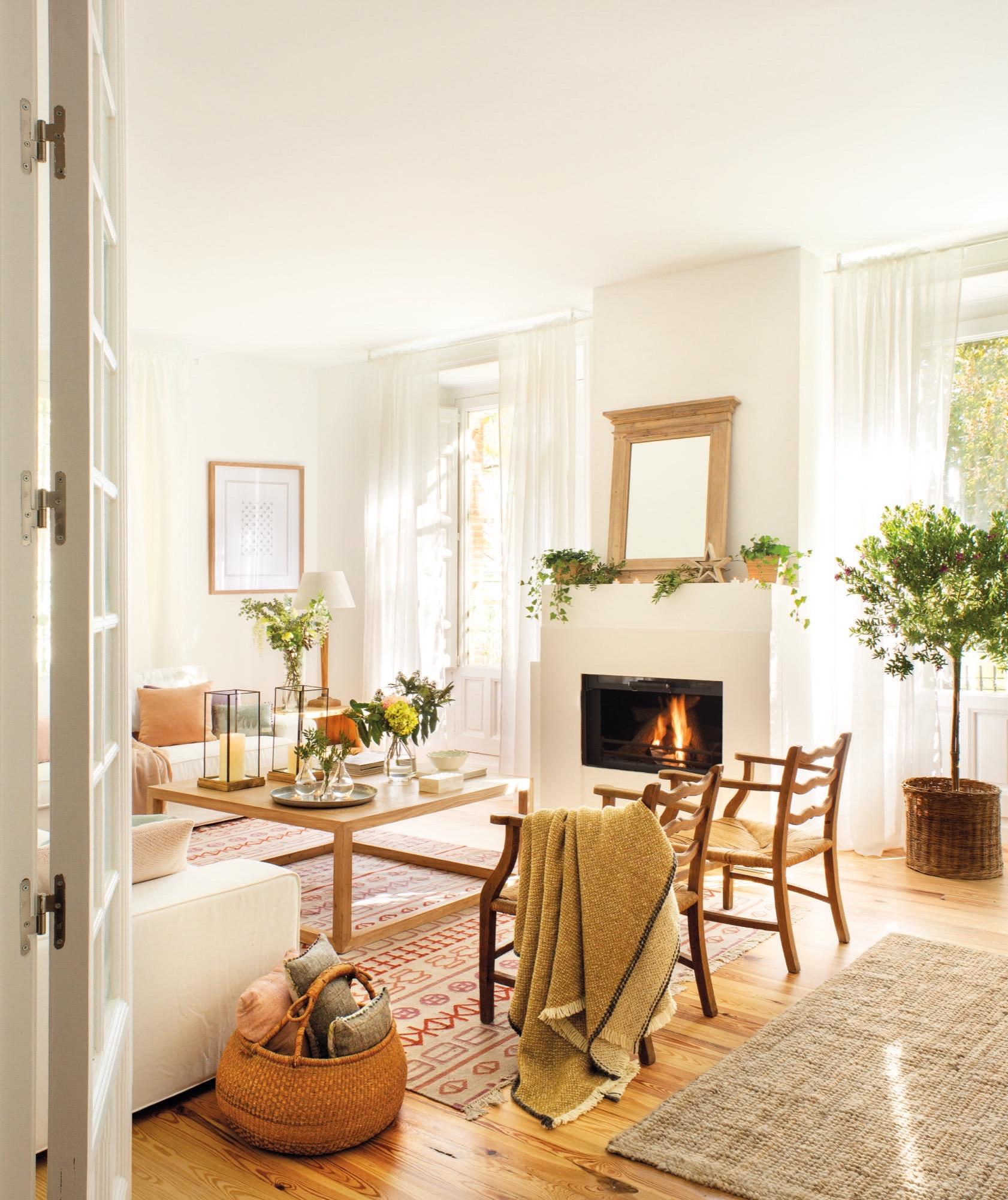Un piso reformado que parece una casa for Fronda decoracion