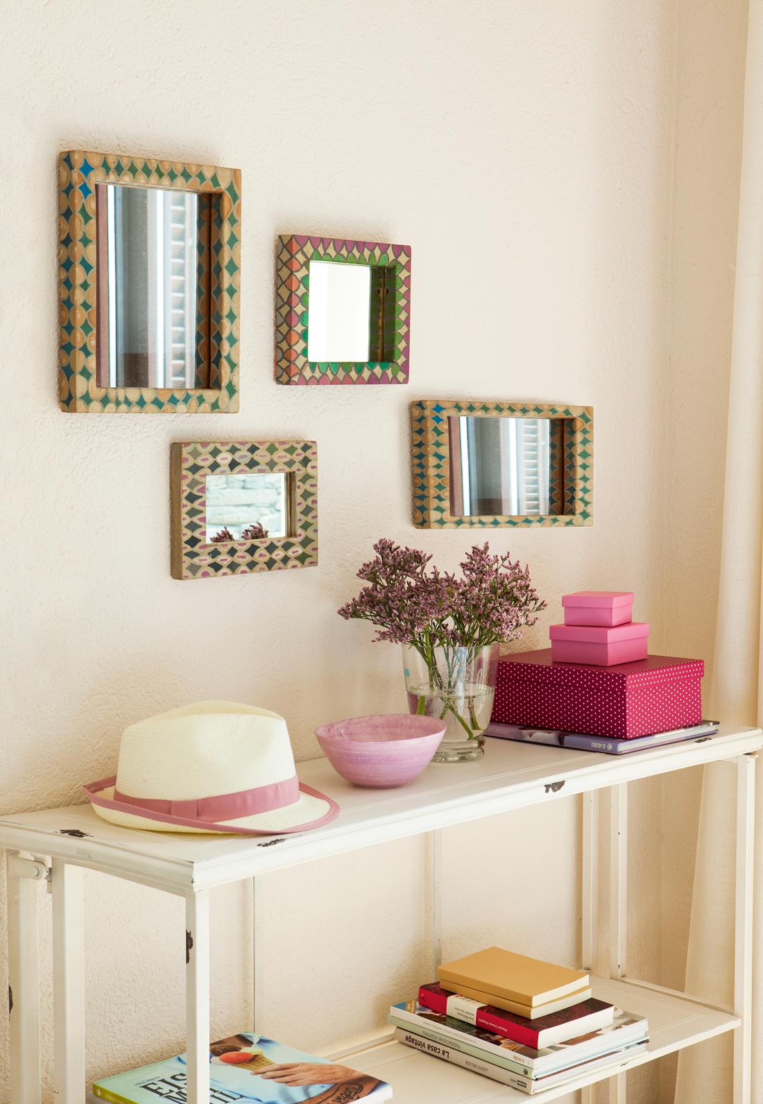 Ideas para decorar tu recibidor for Paredes con espejos