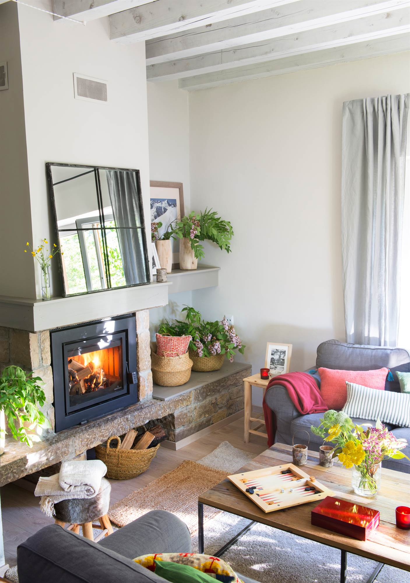 15 salones con chimenea para el invierno - Chimeneas para decorar ...