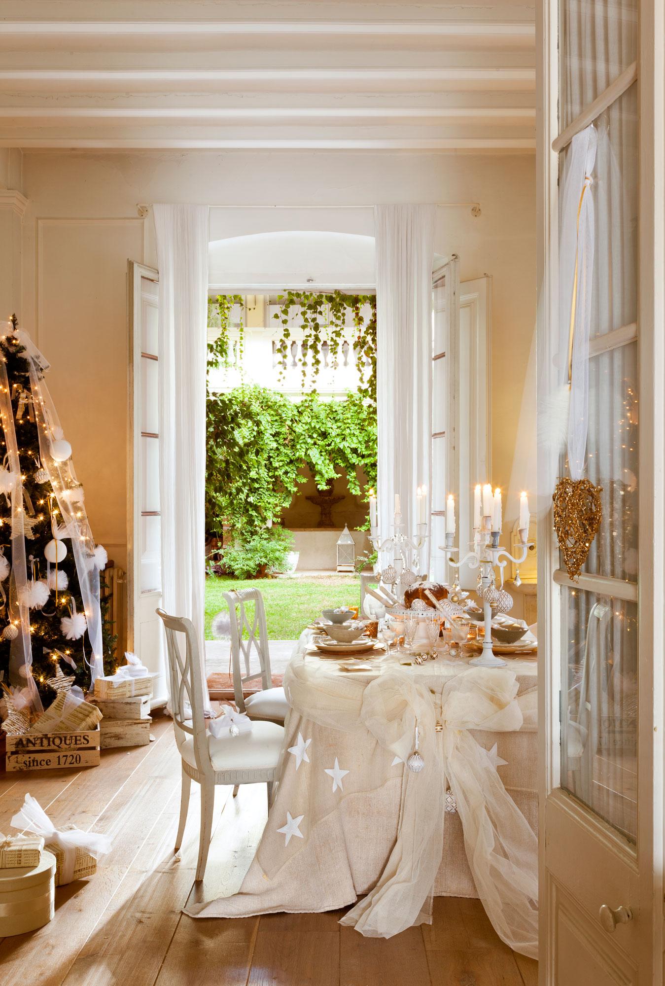 00374091 Ob. Mesa vestida de navidad con árbol
