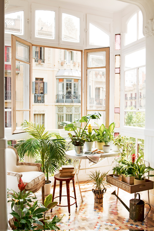 Muebles e ideas para aprovechar las ventanas - Que es un porche en arquitectura ...