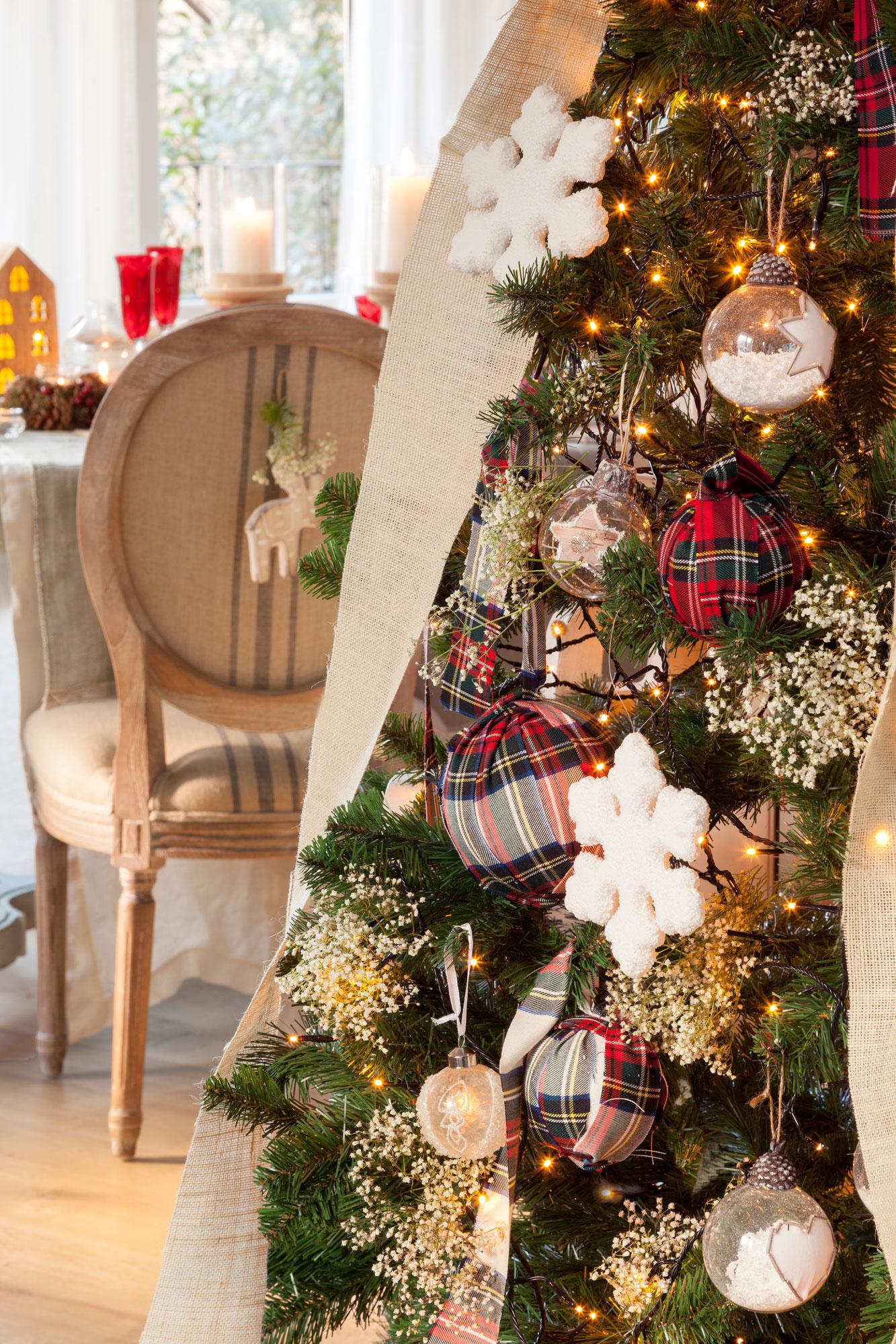 00418553 ob detalle de rbol de navidad con bolas forradas de tela - Arbol De Navidad De Tela