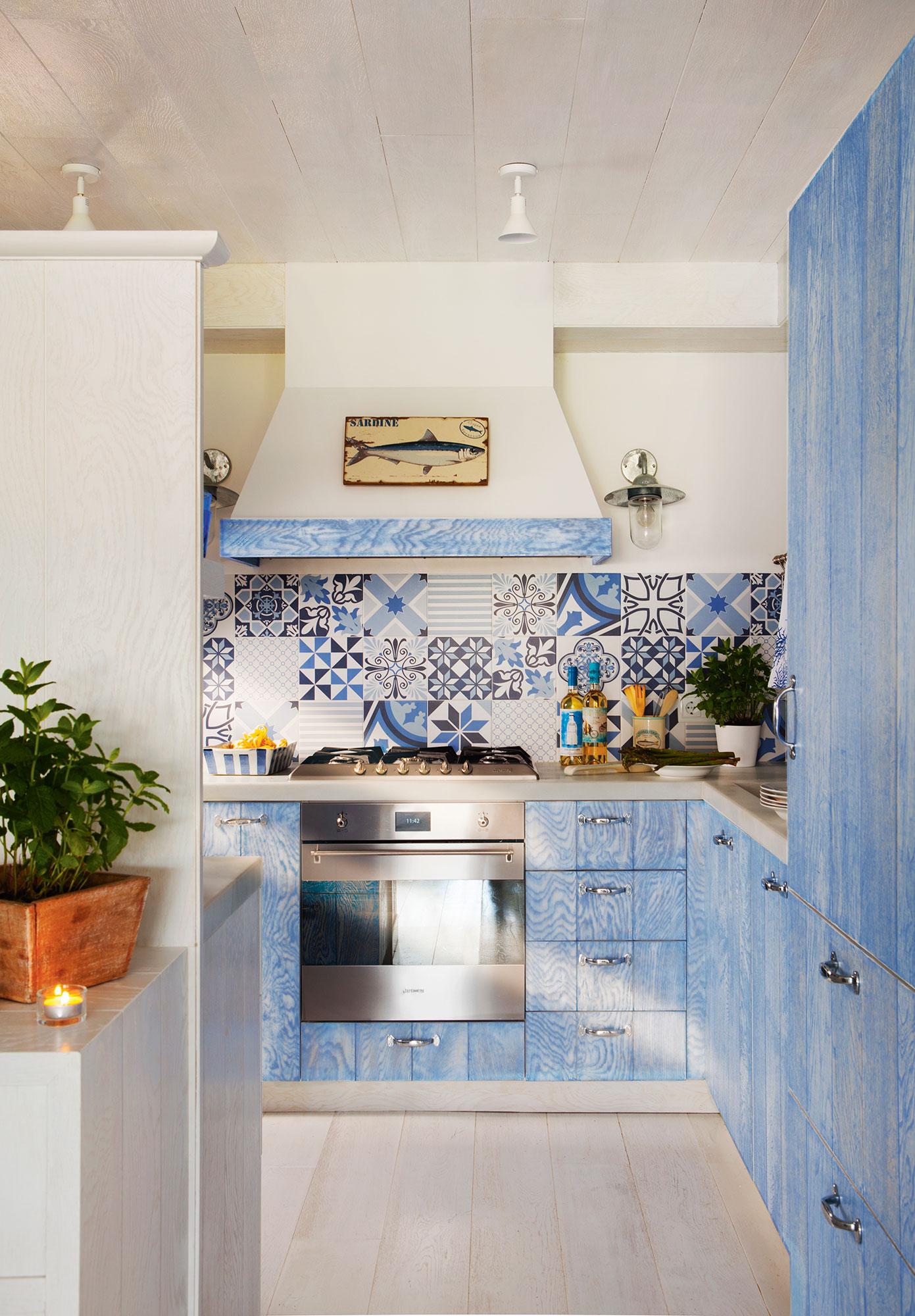Renovar la cocina sin obras 10 reformas low cost for Ideas de muebles de cocina