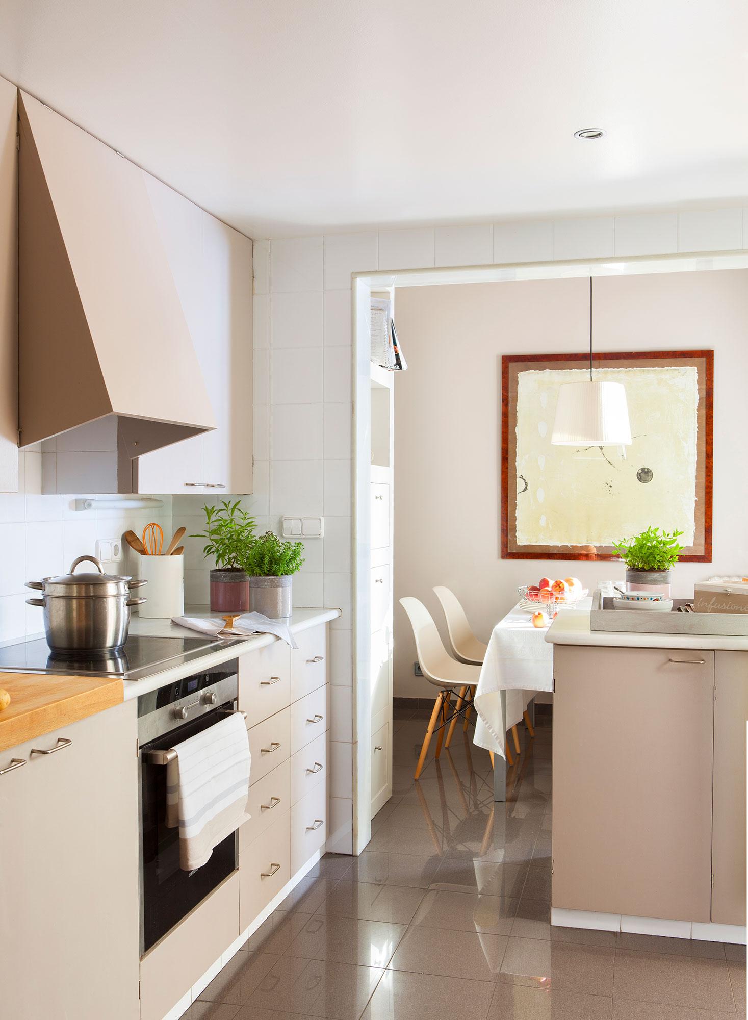Renovar la cocina sin obras 10 reformas low cost - Paredes de cocina sin azulejos ...