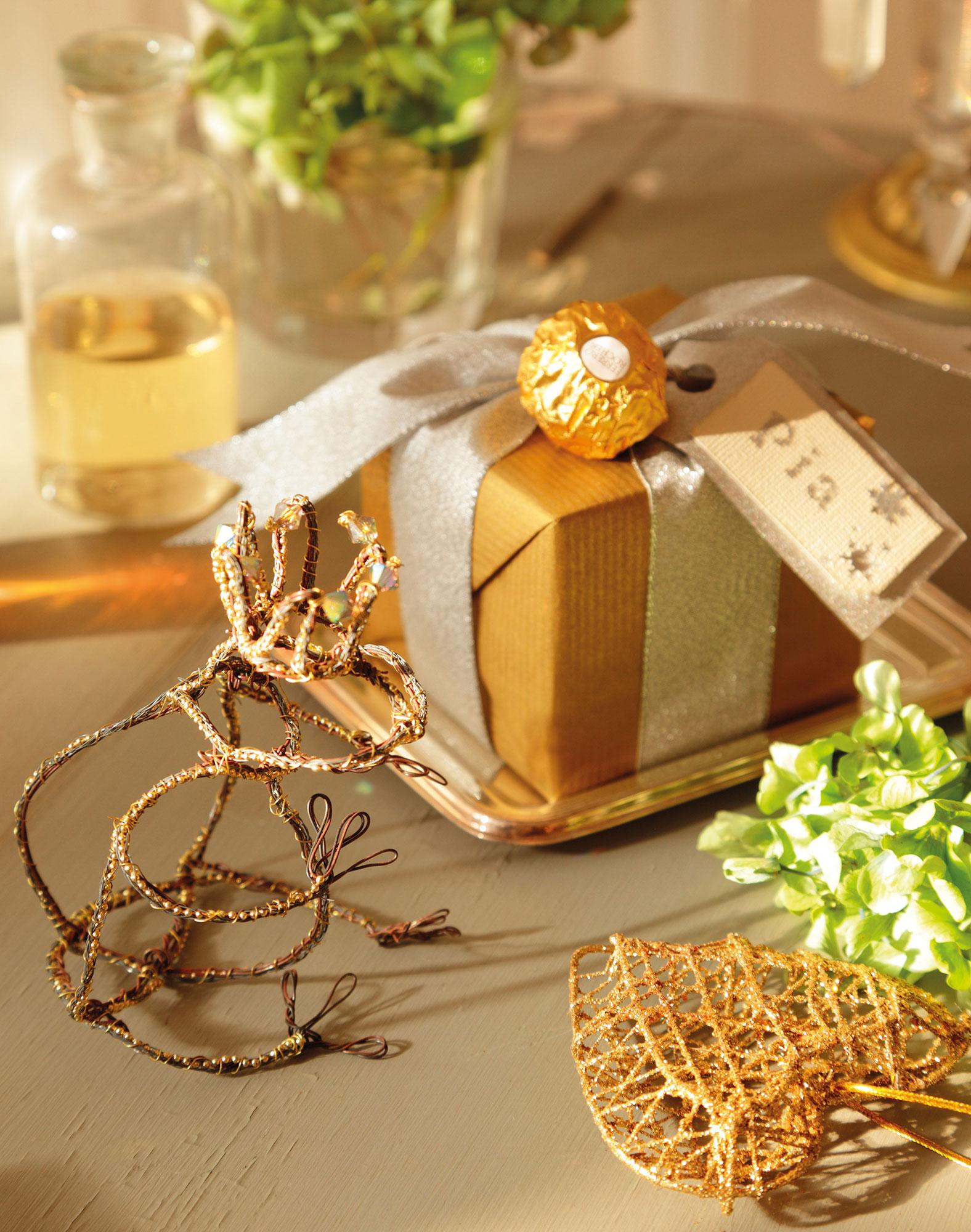M s de 15 ideas para envolver los regalos por navidad - Adornos para regalar en navidad ...