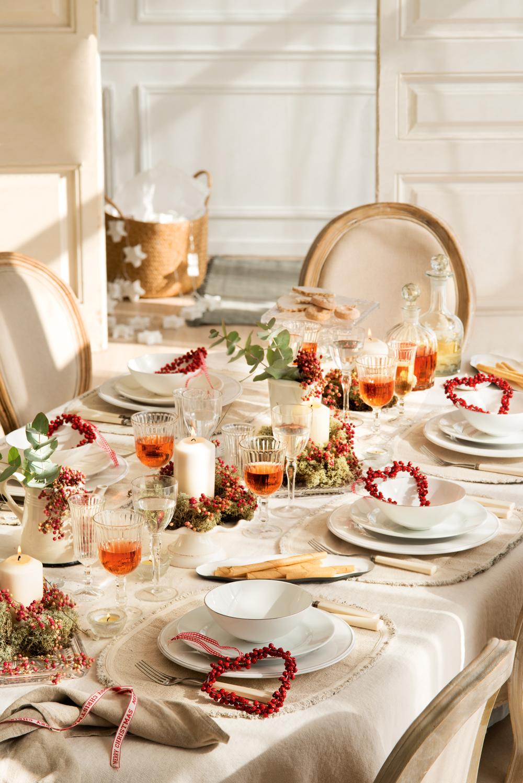 Mesas decoradas para celebrar la navidad for Mesas decoradas para navidad