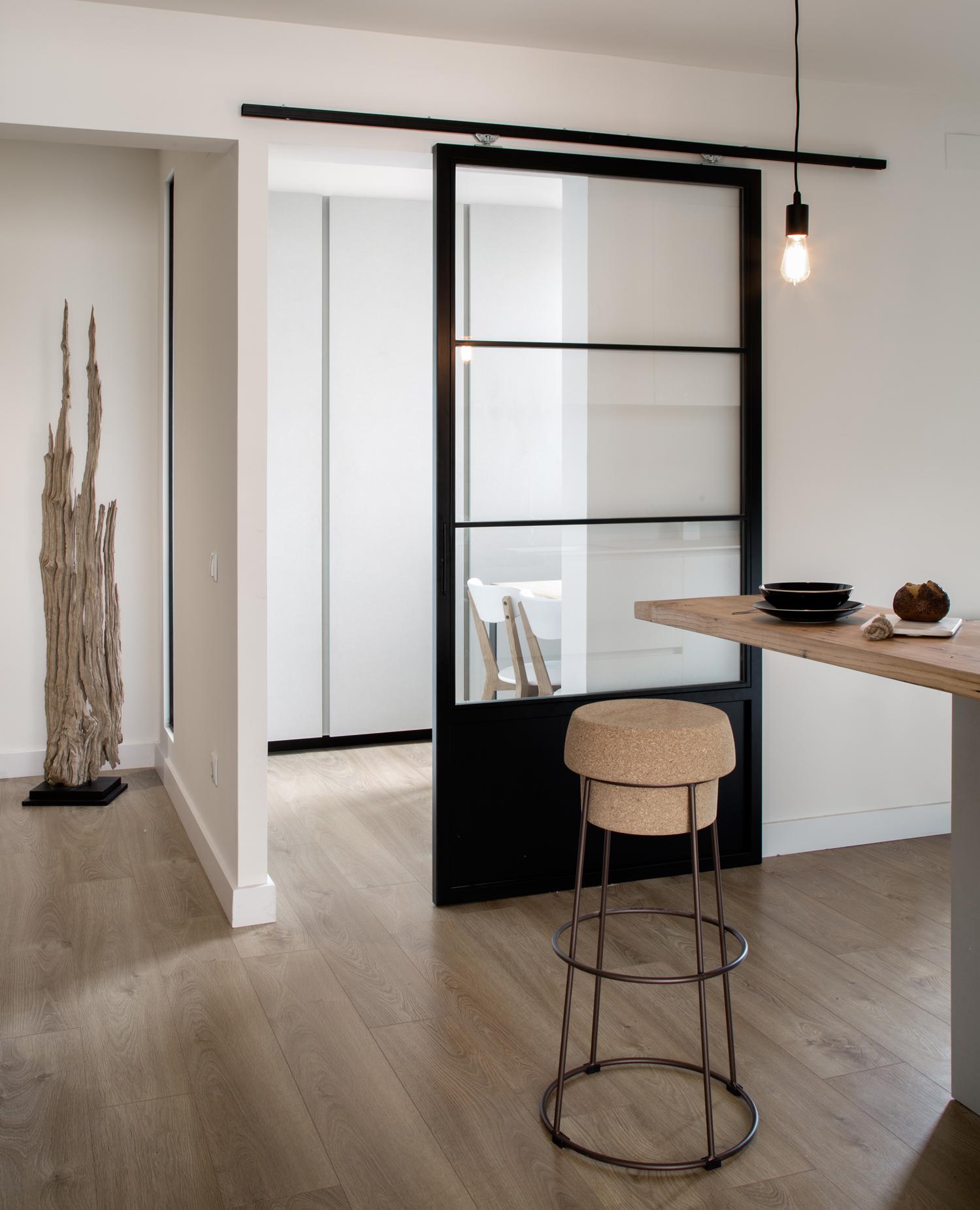 Decoradores y arquitectos j venes de moda for Puertas correderas de cristal