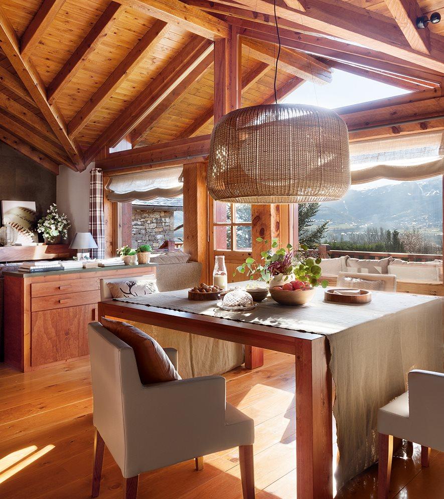 Una caba a de piedra y madera de pino for Decoracion piso montana