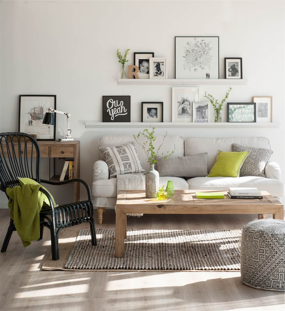 Renueva tu casa en solo una hora con estas ideas f ciles y - Mueble detras sofa ...