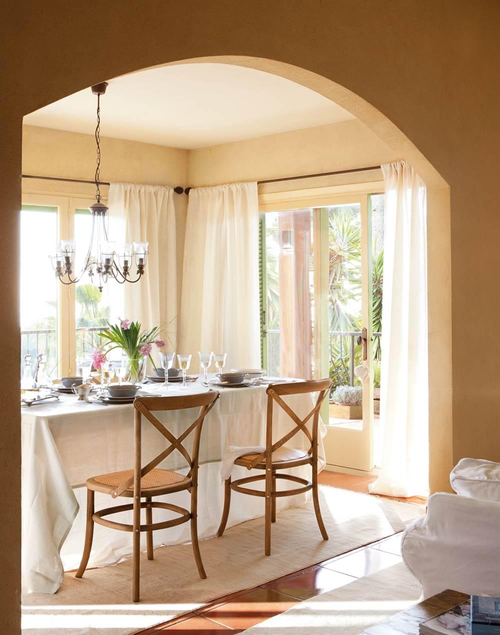 Casa de estilo provenzal for Casa muebles decoracion