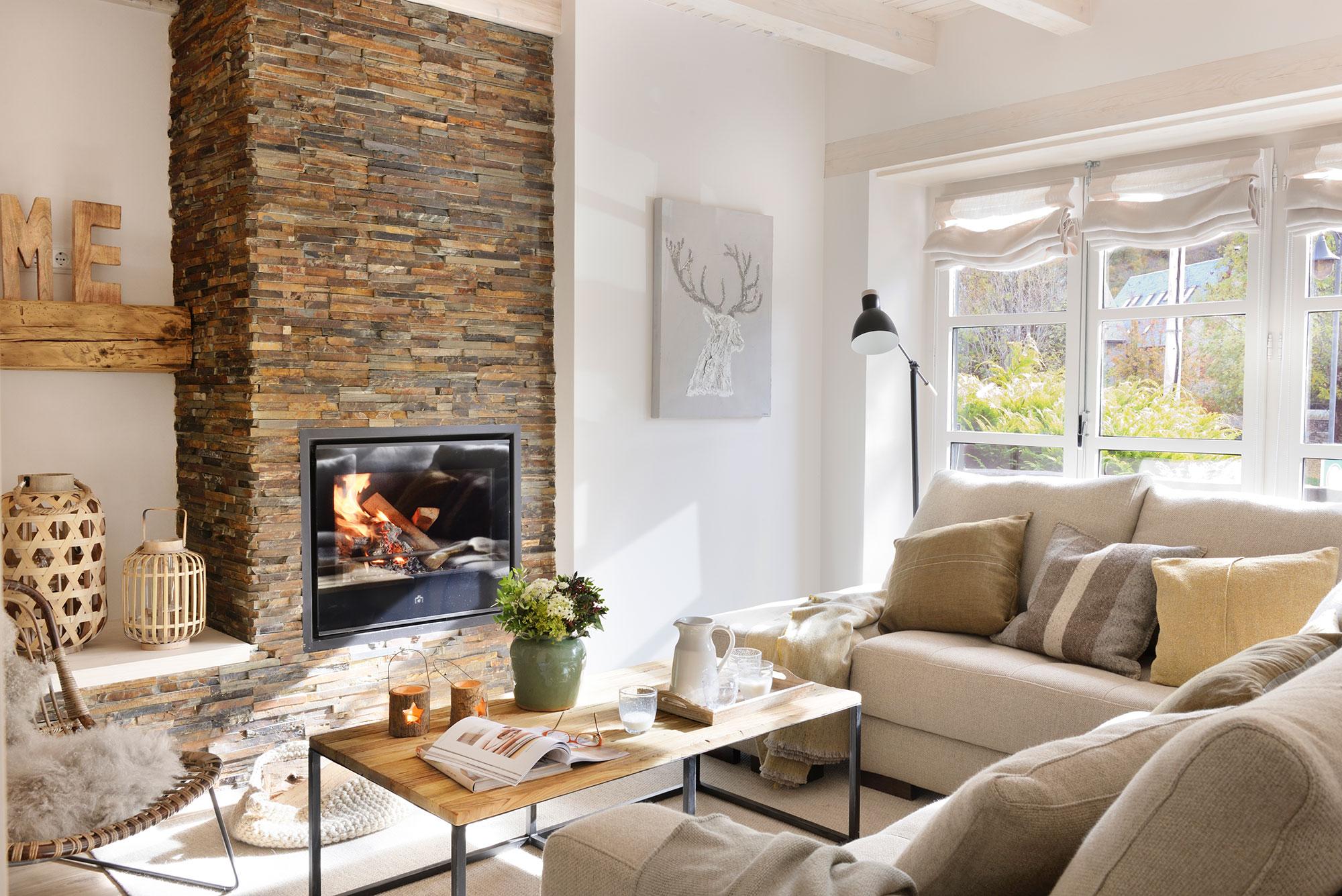 15 salones r sticos c lidos y con muy buenas ideas - Salones decorados con piedra ...