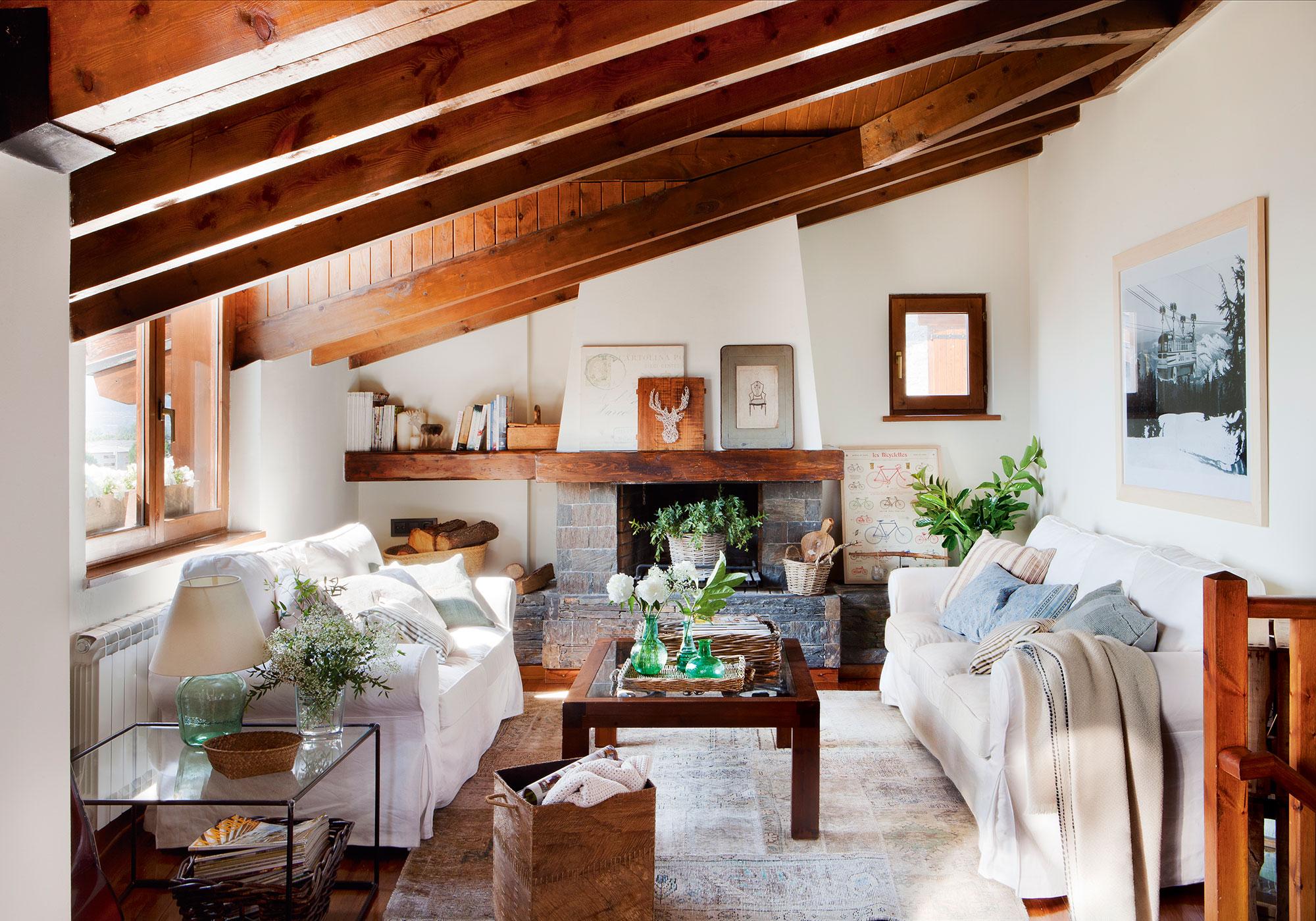 15 salones r sticos c lidos y con muy buenas ideas for Salones de madera modernos