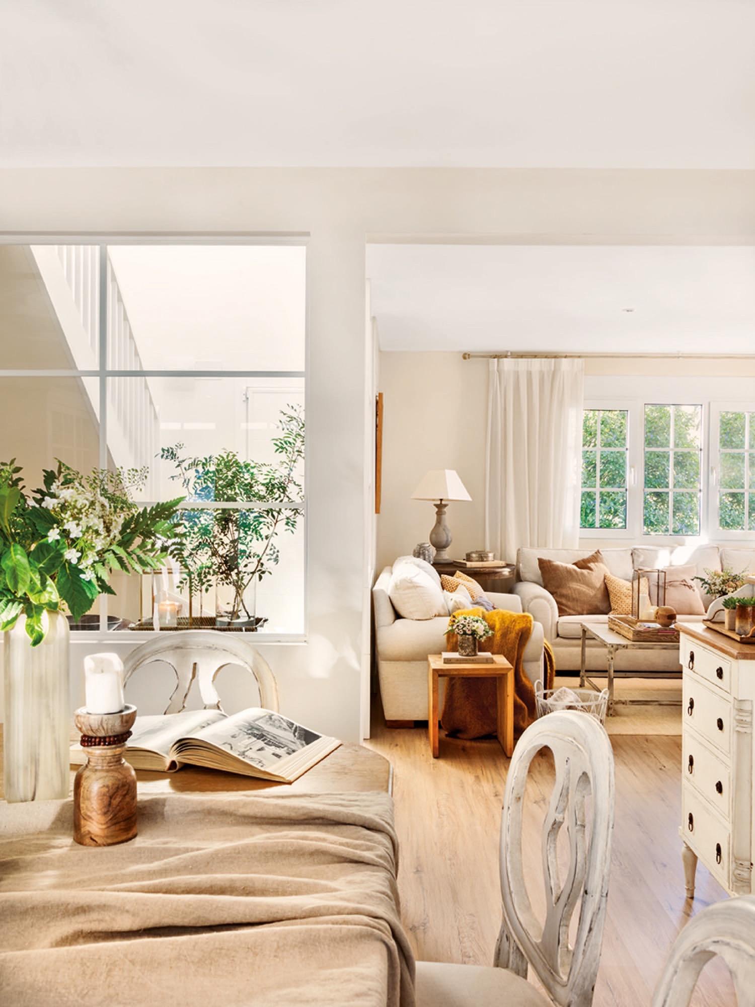 Una gran casa para una familia numerosa - Decorar salon en l ...