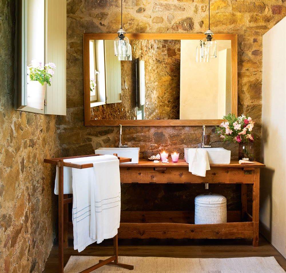 Recupera muebles viejos y dales una nueva vida - Muebles antiguos para banos ...