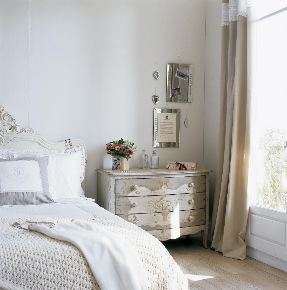 Muebles pintados gana vida y color for Donde venden espejos