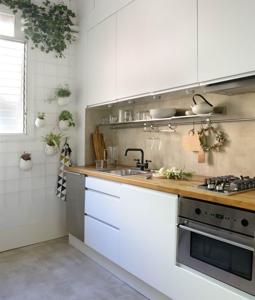Tapar Azulejos Cocina Elegant Pintar Los Azulejos De Casa Es Una  ~ Paneles Para Cubrir Azulejos Cocina