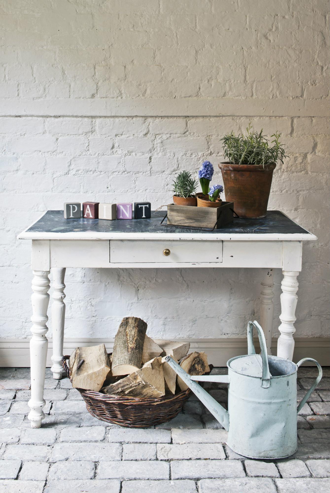 Mesas pintadas a la tiza perfect interesting muebles - Mesas pintadas a la tiza ...